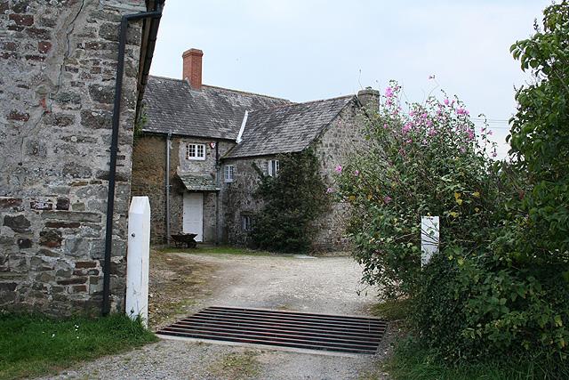 File:Bishop's Tawton, Great Fisherton - geograph.org.uk - 555029.jpg
