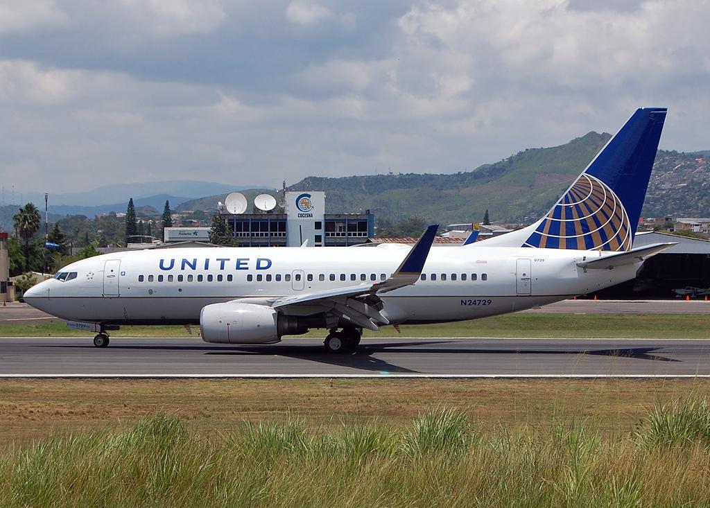 File Boeing 737 724 United Airlines Jp7374601 Jpg