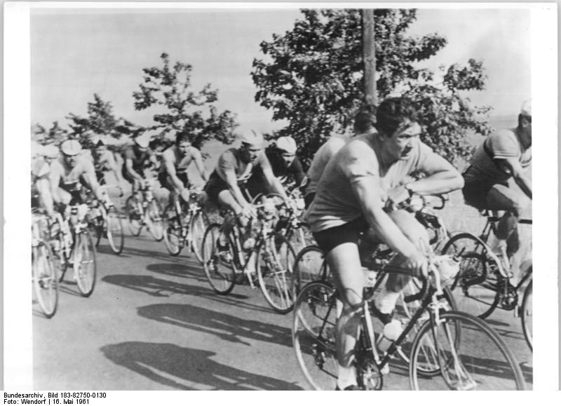 Bundesarchiv Bild 183-82750-0130, Friedensfahrt, Fahrerfeld