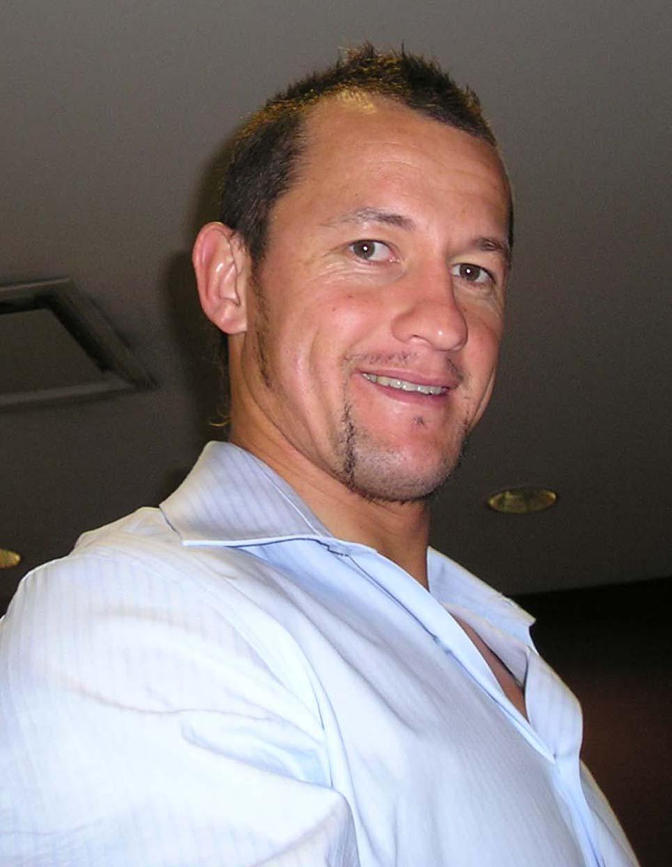 Carlos Spencer - Wikipedia