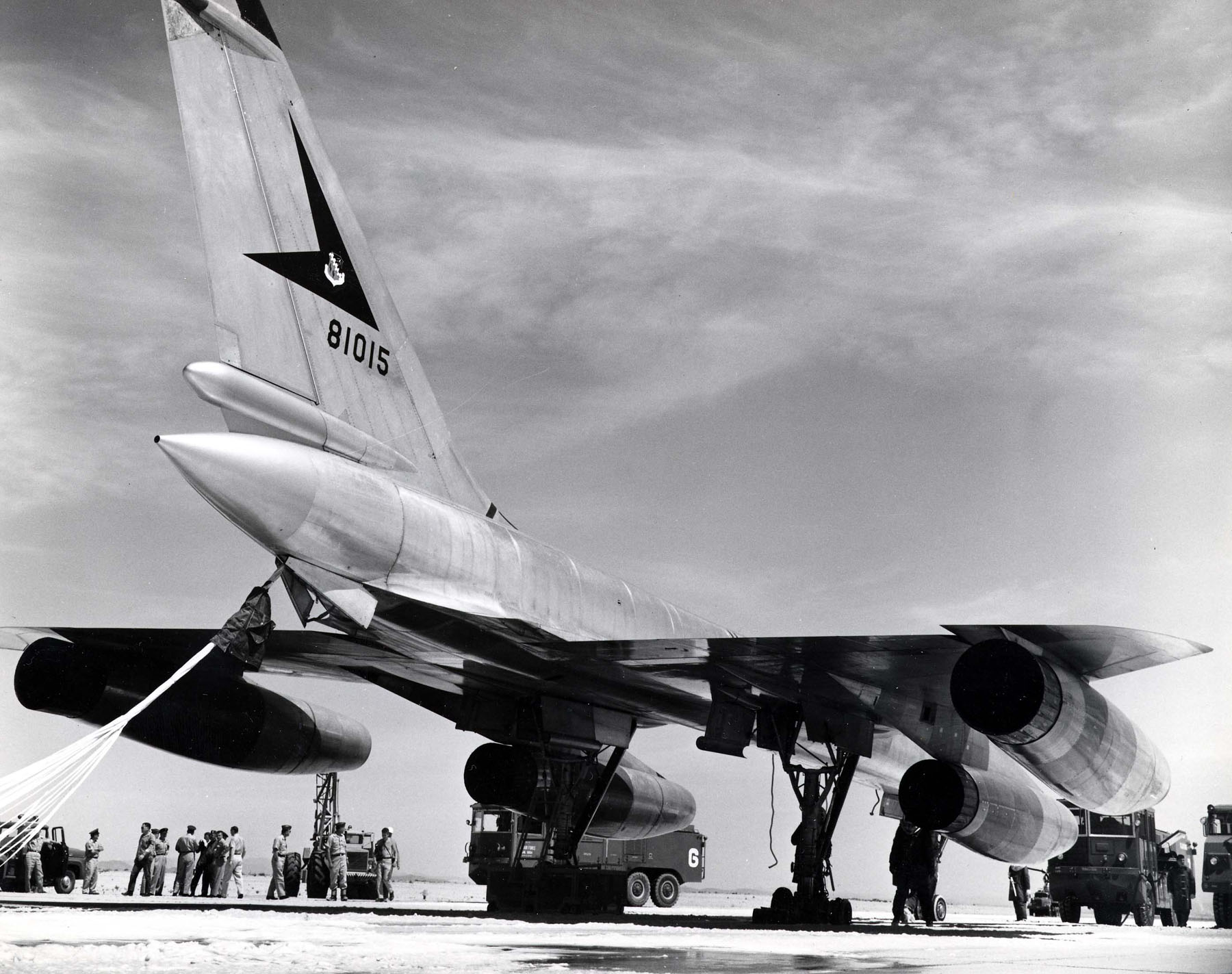 File:Convair RB-58A Hustler 3-4 rear view (SN 58-