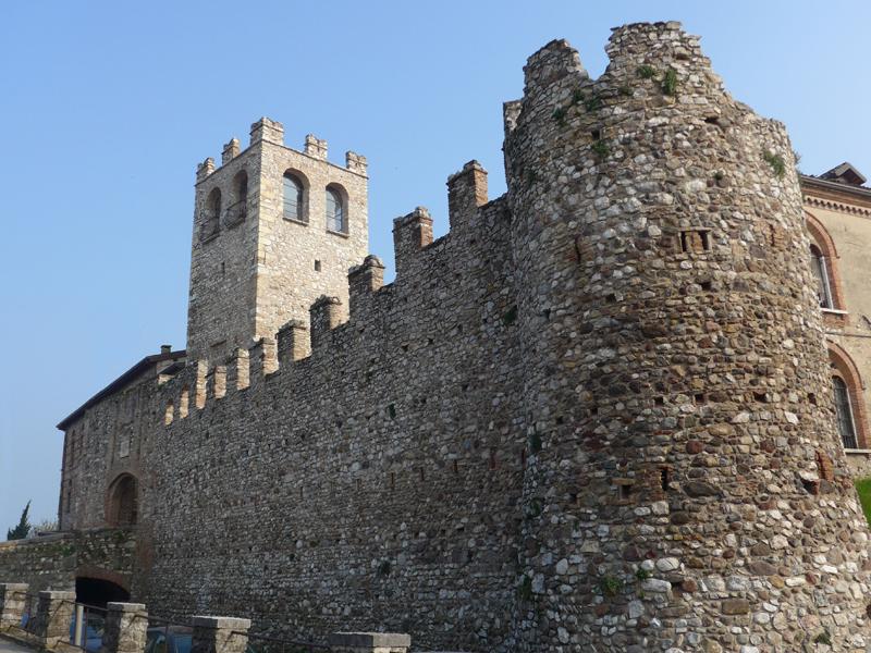 File:Desenzano-Castello.JPG - Wikimedia Commons
