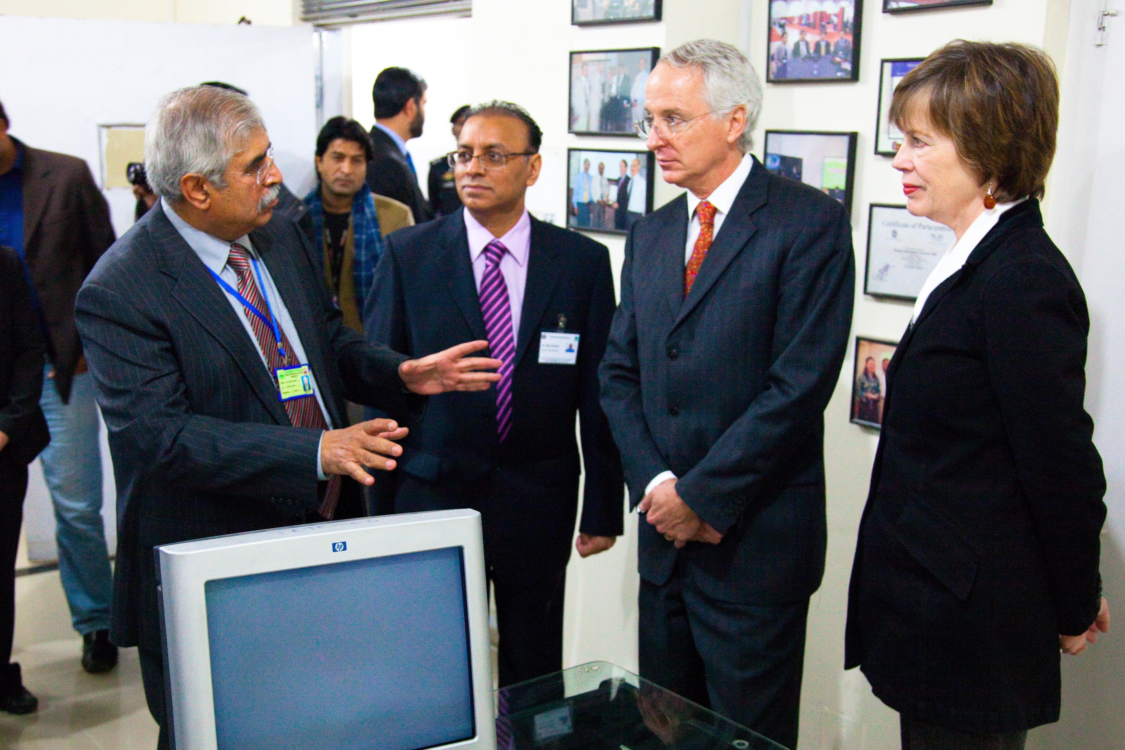 File:Dr Asif Zafar Malik, Project Dir Telemedicine training