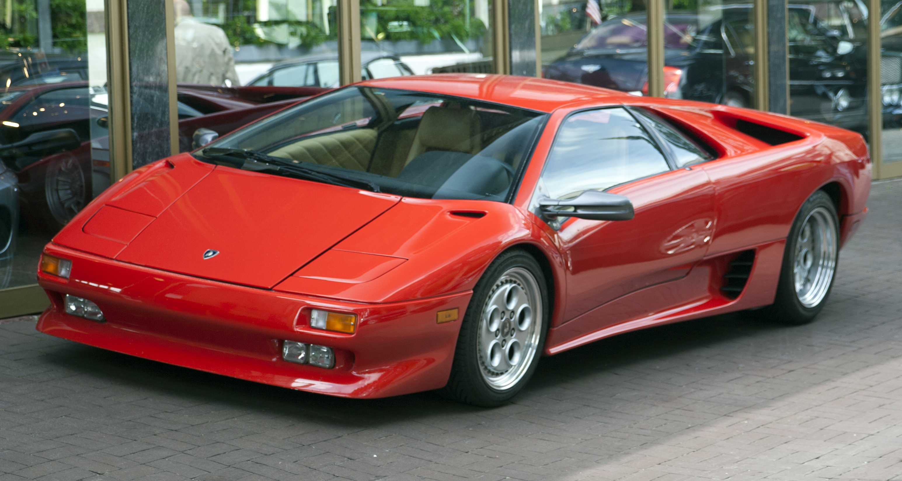 File:Early Lamborghini Diablo In Red