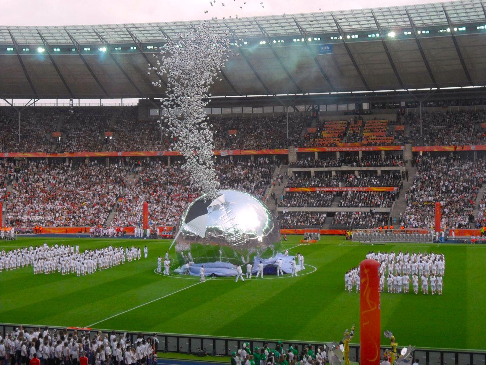 Eröffnungsfeier im Olympiastadion Berlin am 26. Juni 2011. Teilnehmerplatzierungen