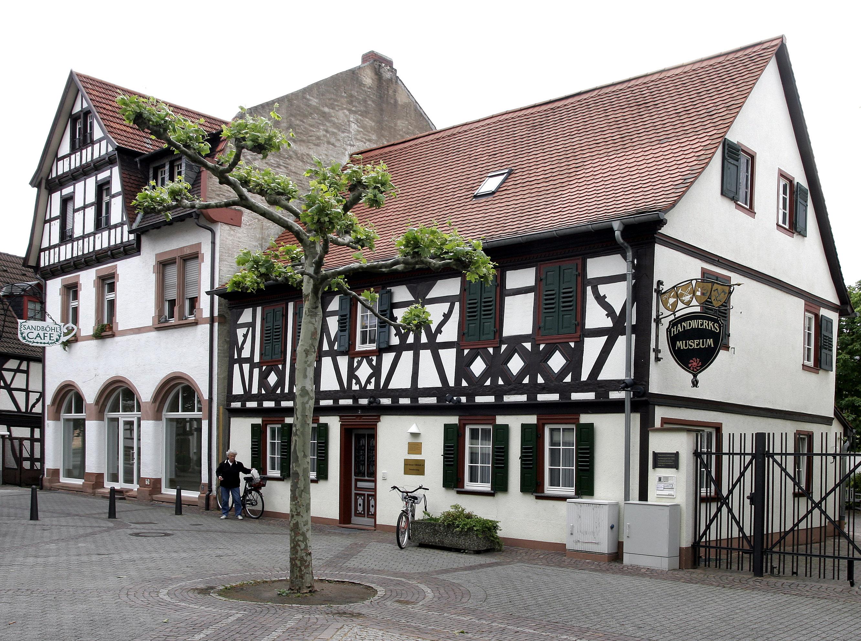 Gross-Gerau Germany  City pictures : Gross Gerau Fachwerk 02 Wikimedia Commons