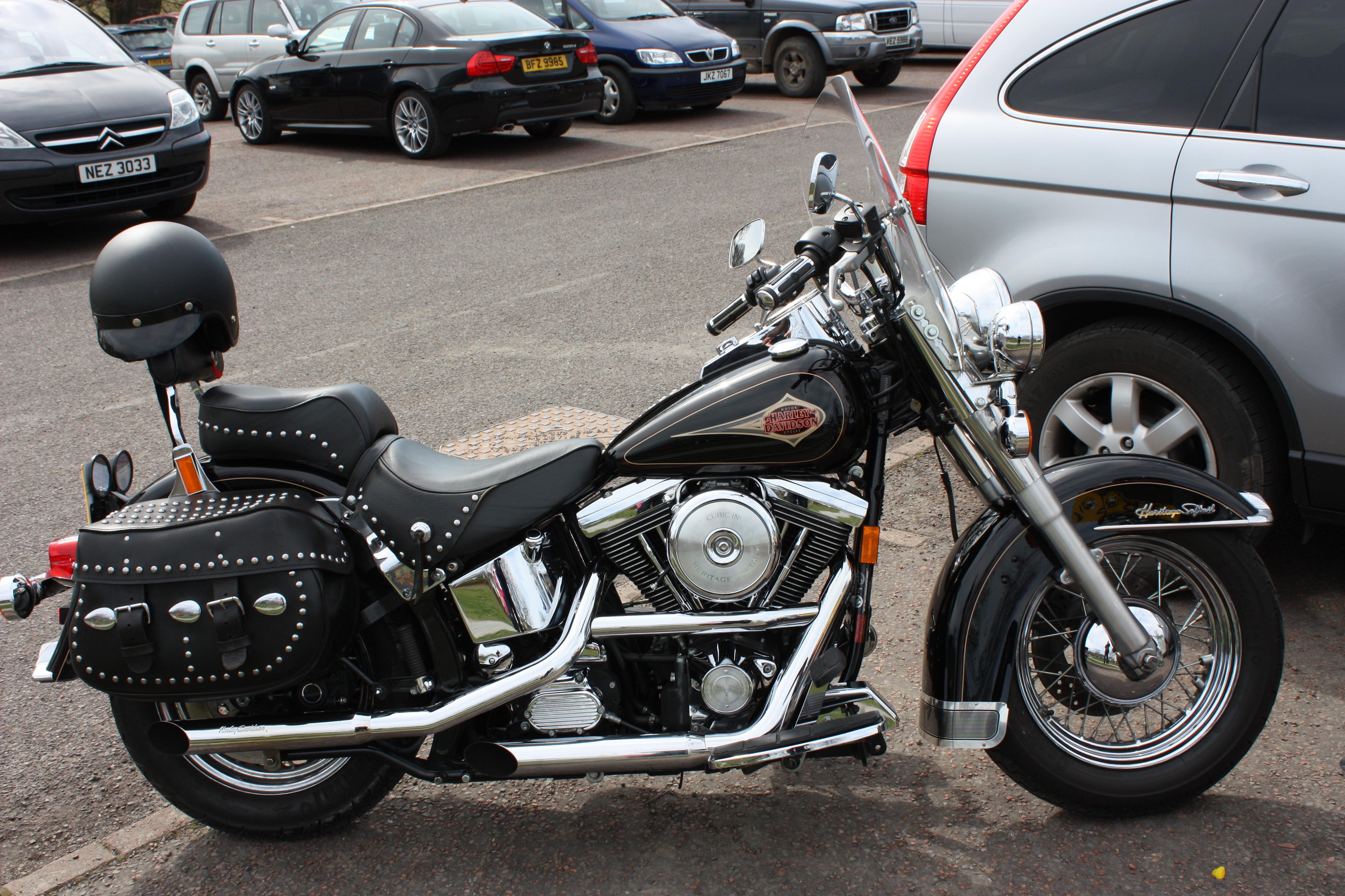 Harley Davidson Heritage Softail Classic Blue Book