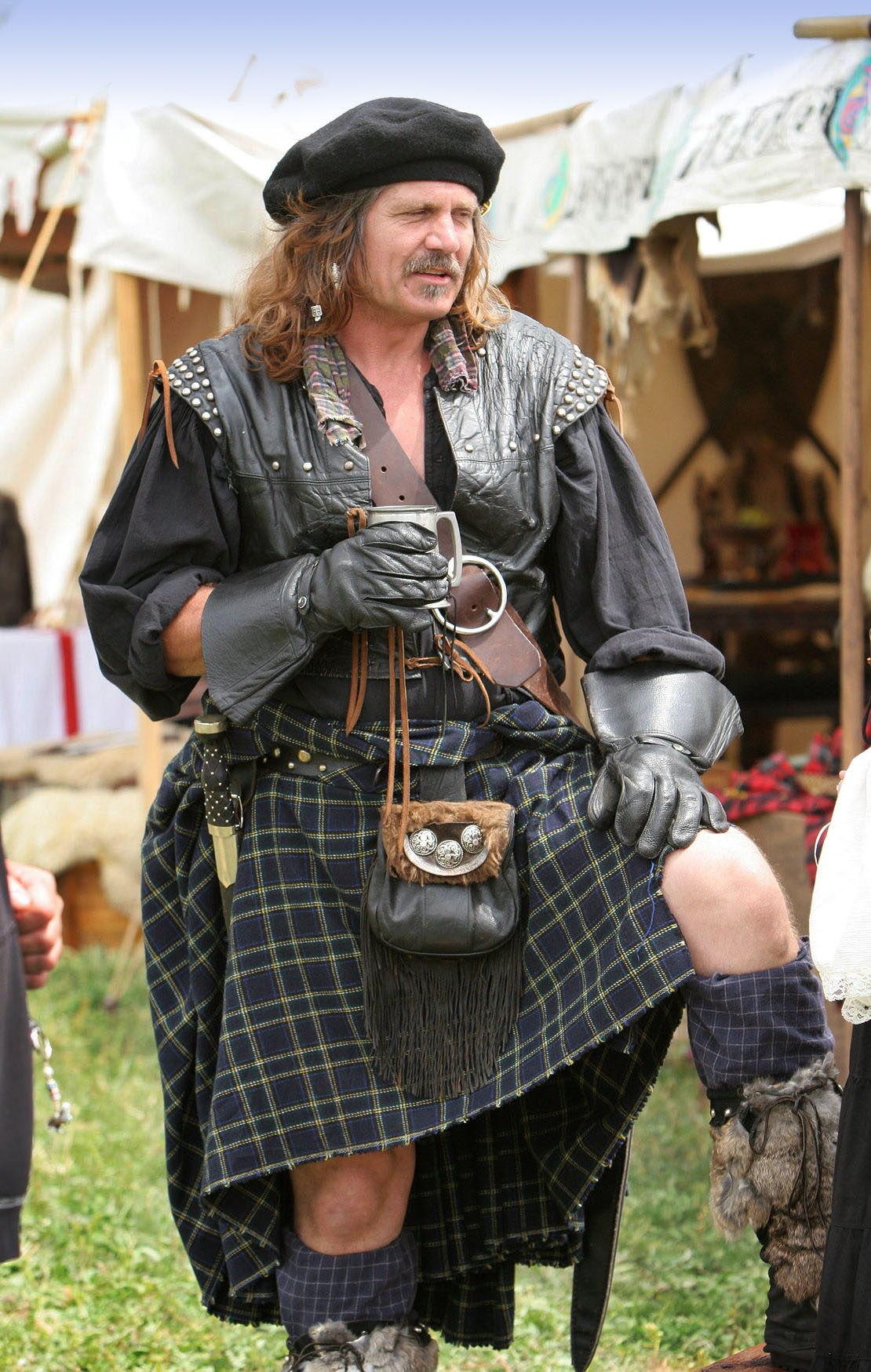 File:Highlander-kilt.jpg - Wikimedia Commons
