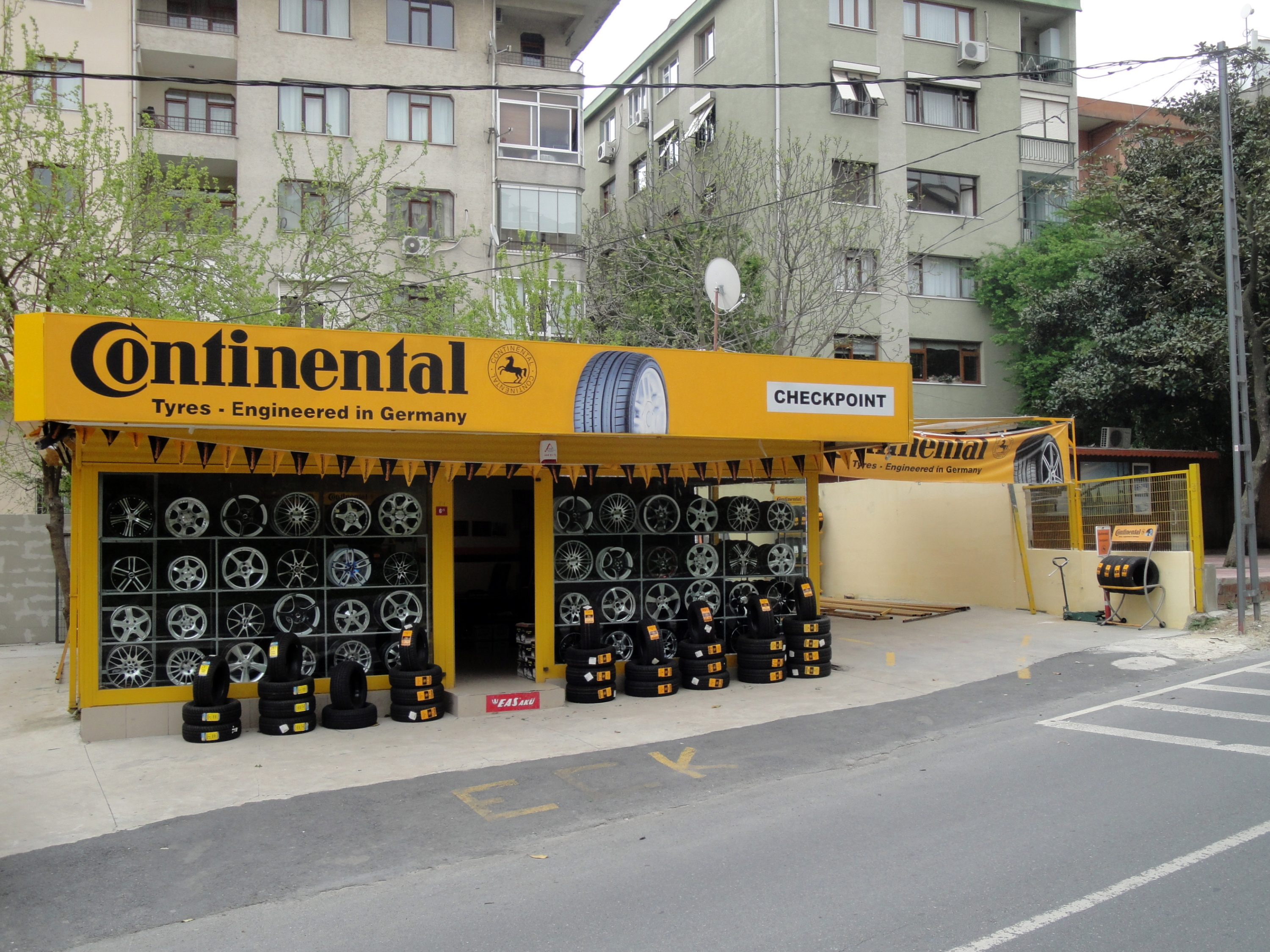 How To Tire Size >> File:Istanbul Continental tyre shop.jpg - Wikimedia Commons