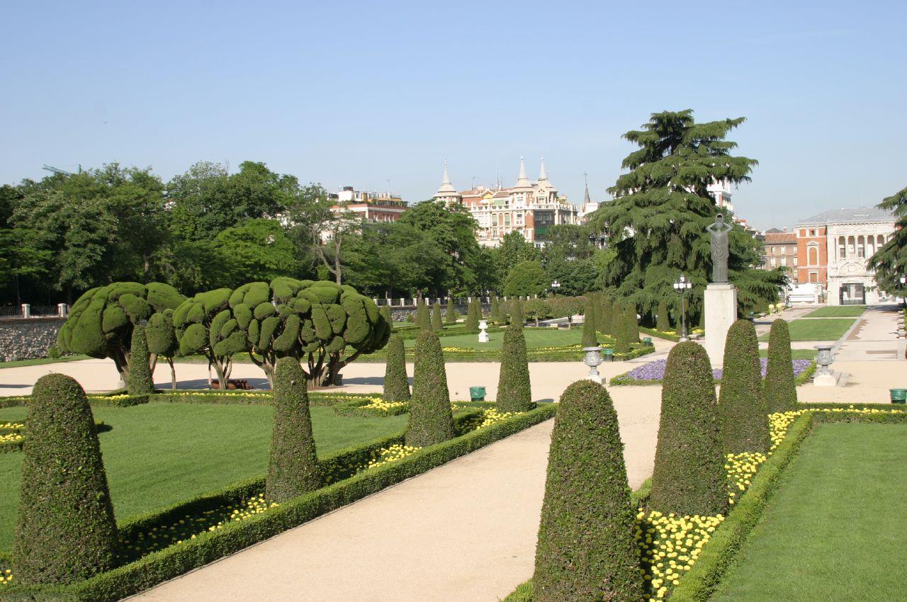 File jardines del buen retiro parterre madrid for Calle el jardin