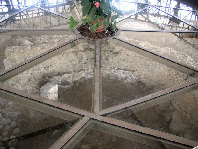 La casa de Simon Pedro en Cafarnaúm donde vivió Jesús Kapernaum_Domus_Petri