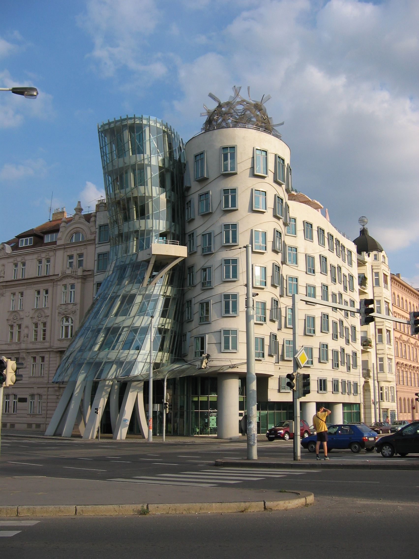 file:la casa danzante de praga 2 - wikimedia commons