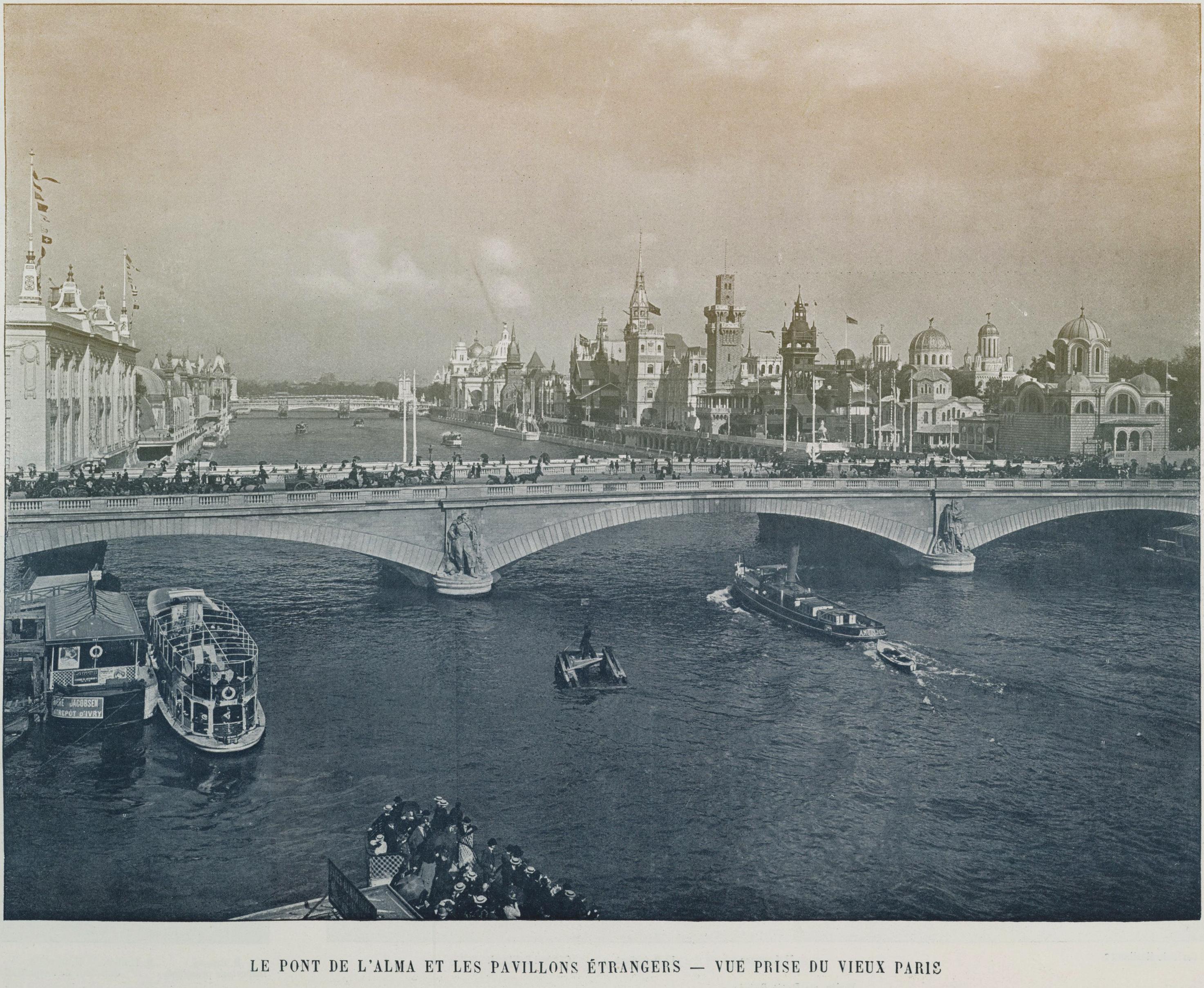 File Le Pont De L Alma Et Les Pavillons Etrangers Vue Prise