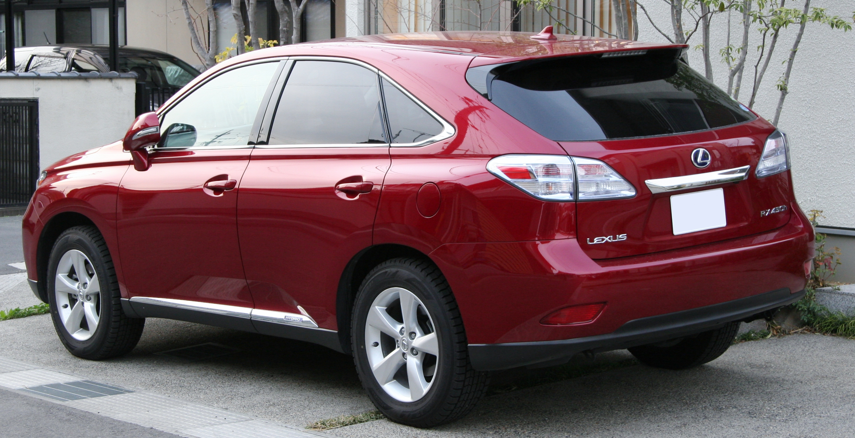 https://upload.wikimedia.org/wikipedia/commons/0/06/Lexus_RX450h_rear.jpg