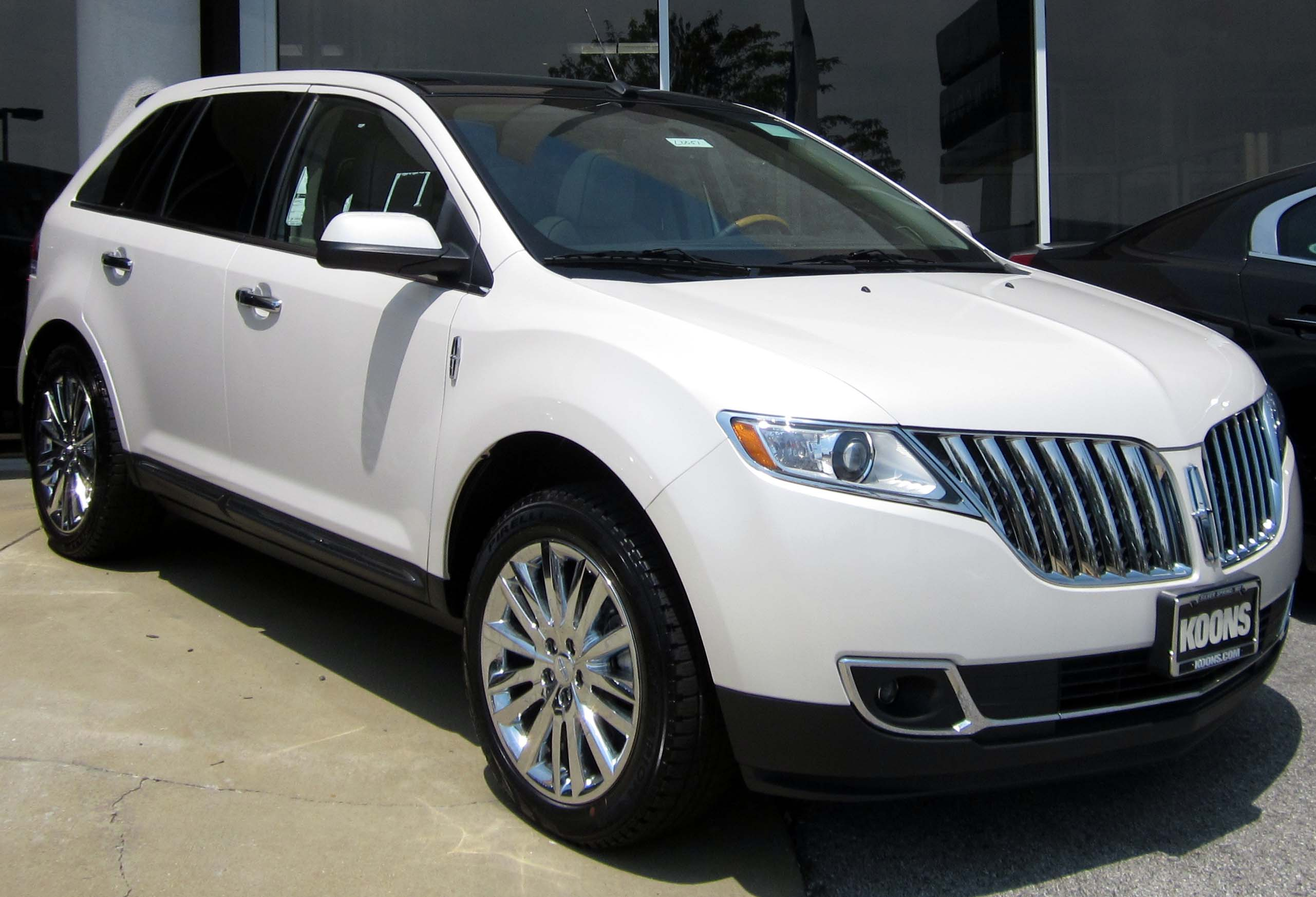 File:Lincoln MKX -- 07-11-2012.JPG - Wikimedia Commons