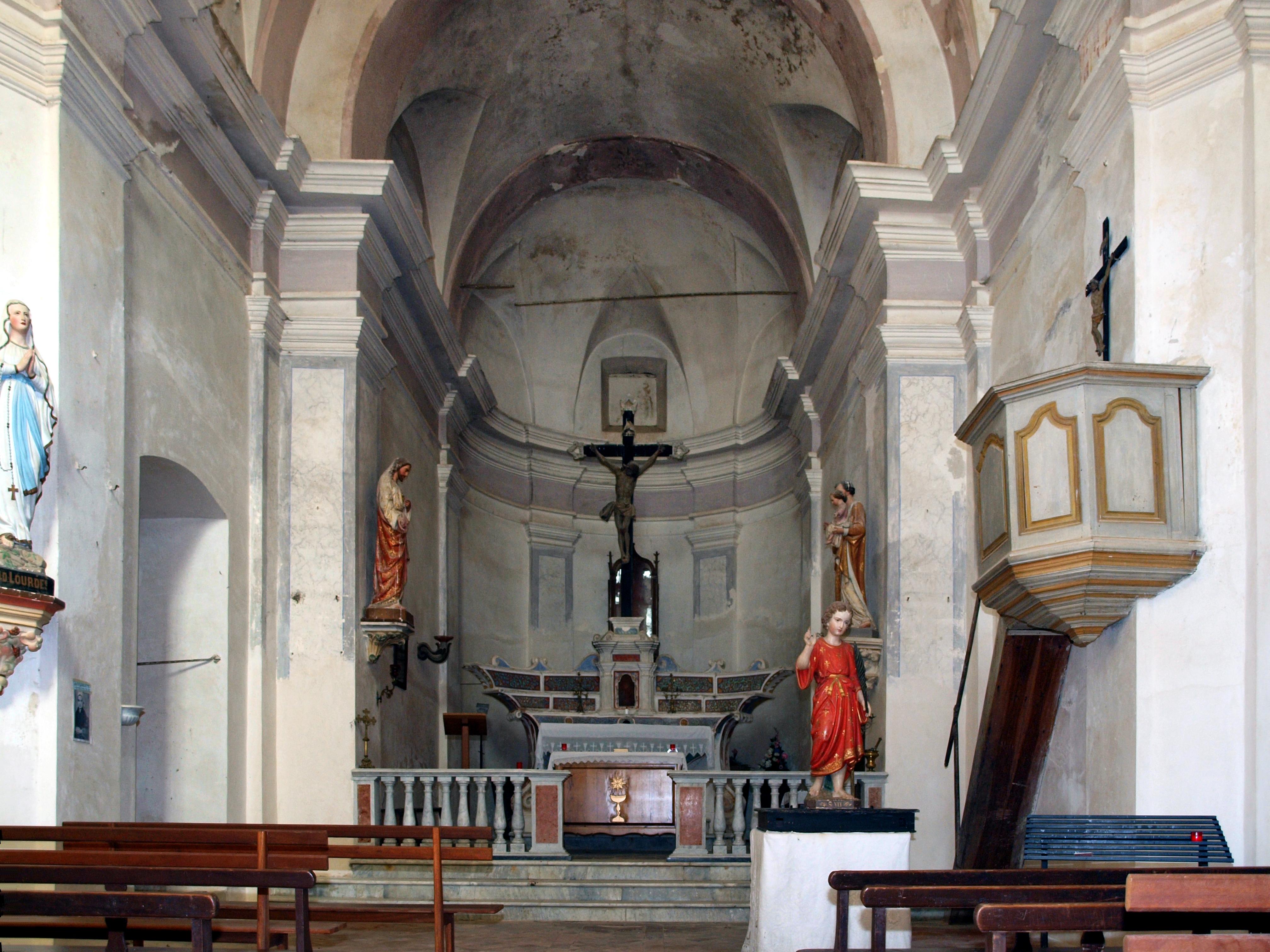 File:Lunghignano intérieur église Saint-Vitus.jpg - Wikimedia Commons
