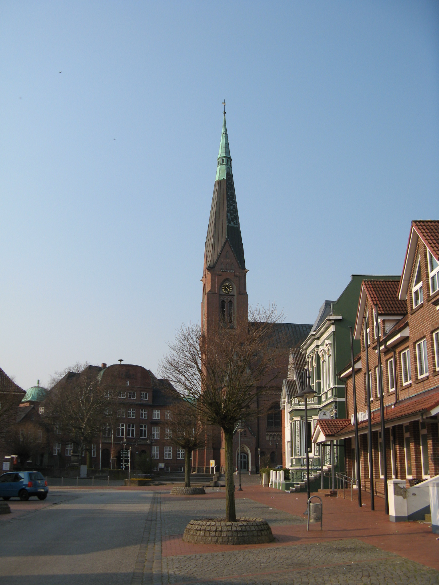 File:Marne rathaus, kirche, apotheke.jpg - Wikimedia Commons