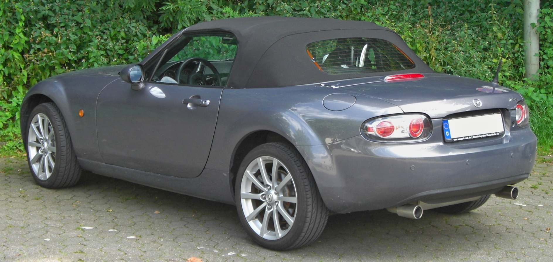 File:Mazda MX-5 III rear.JPG - Wikimedia Commons