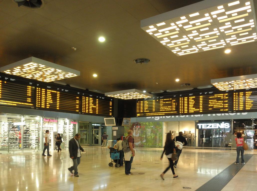 Stazione di milano porta garibaldi wikiwand - Milano porta garibaldi station ...