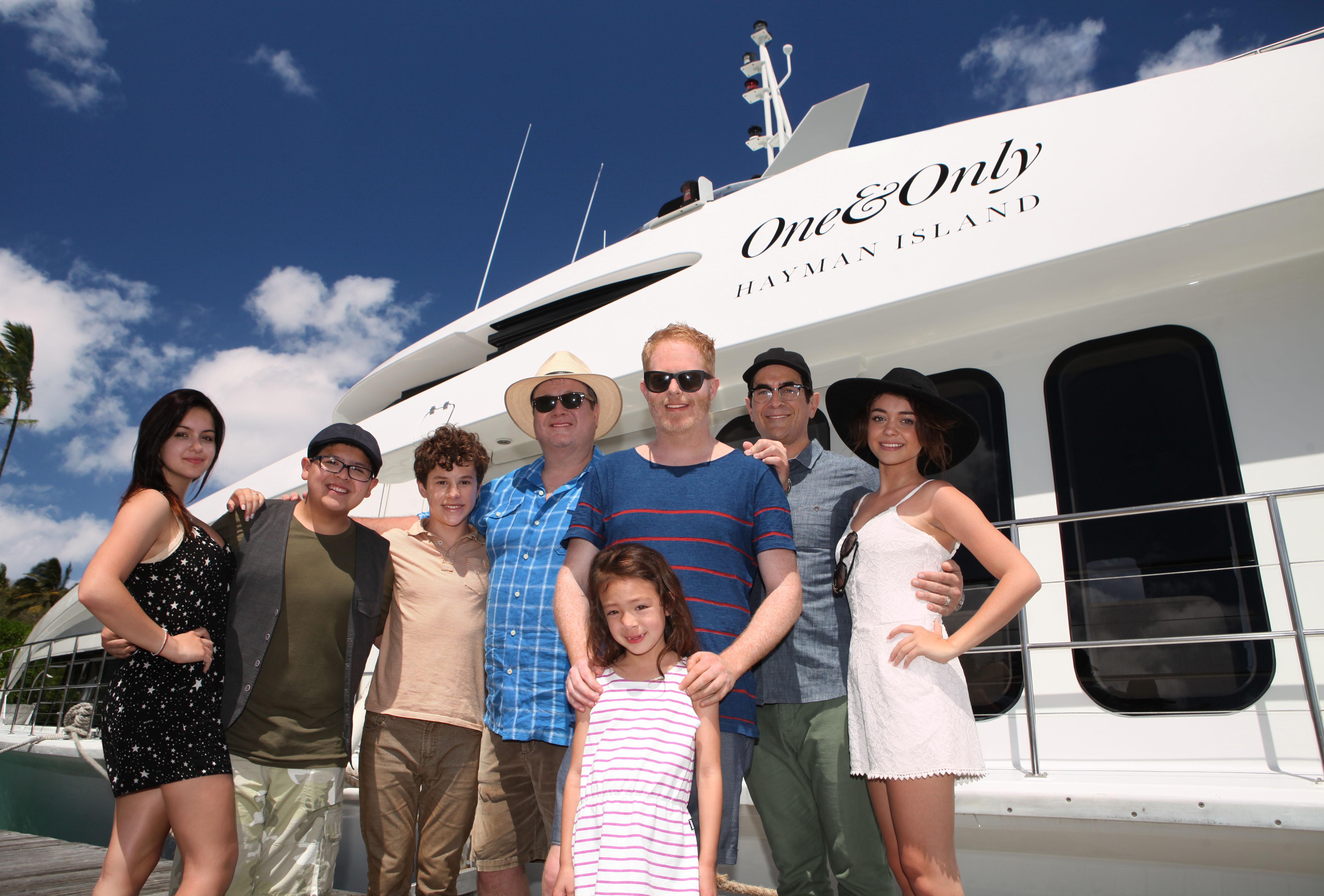 File:Modern Family cast in Australia.jpg