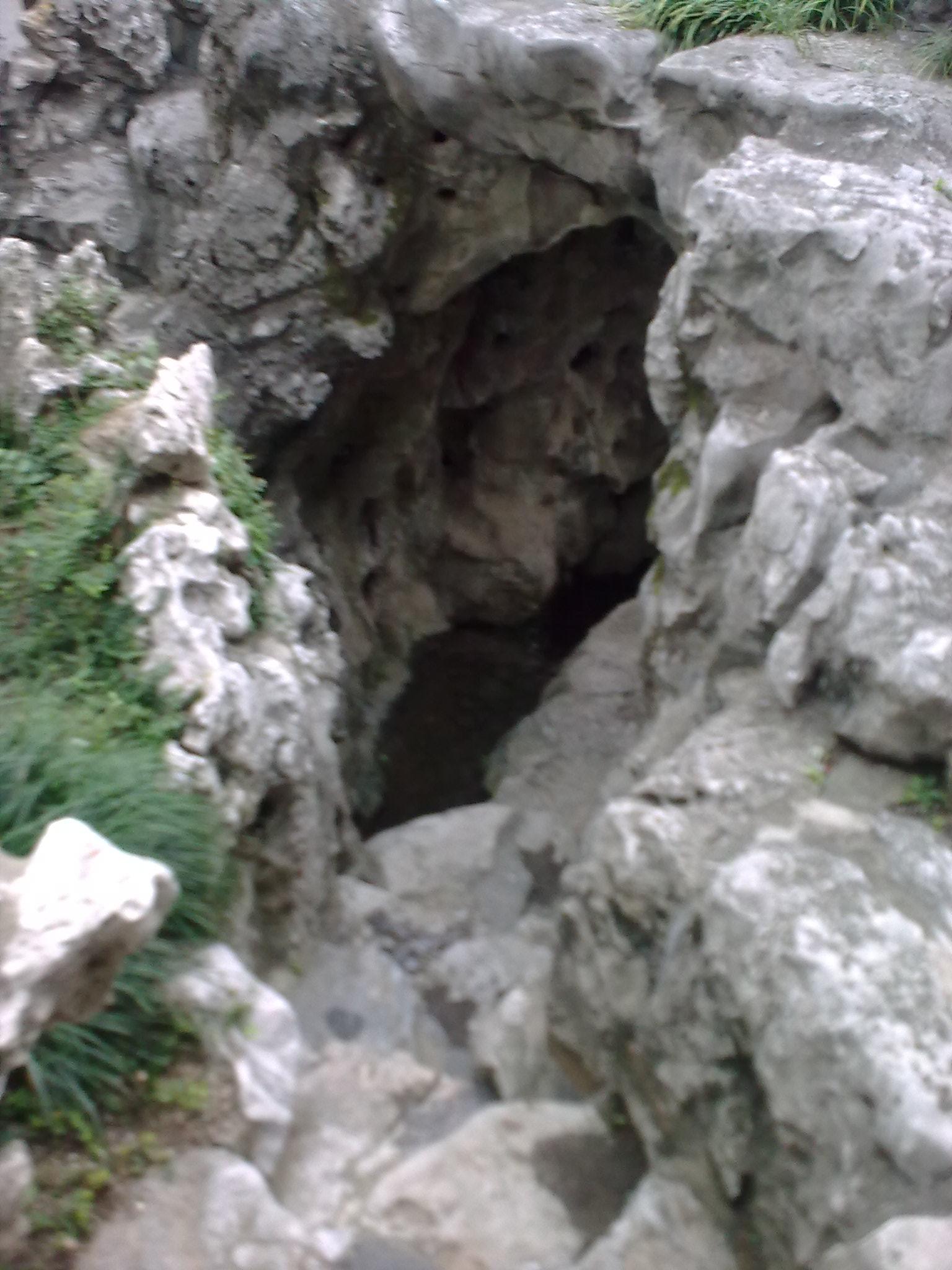 FileMountain garden grotto of snowjpg Wikimedia Commons