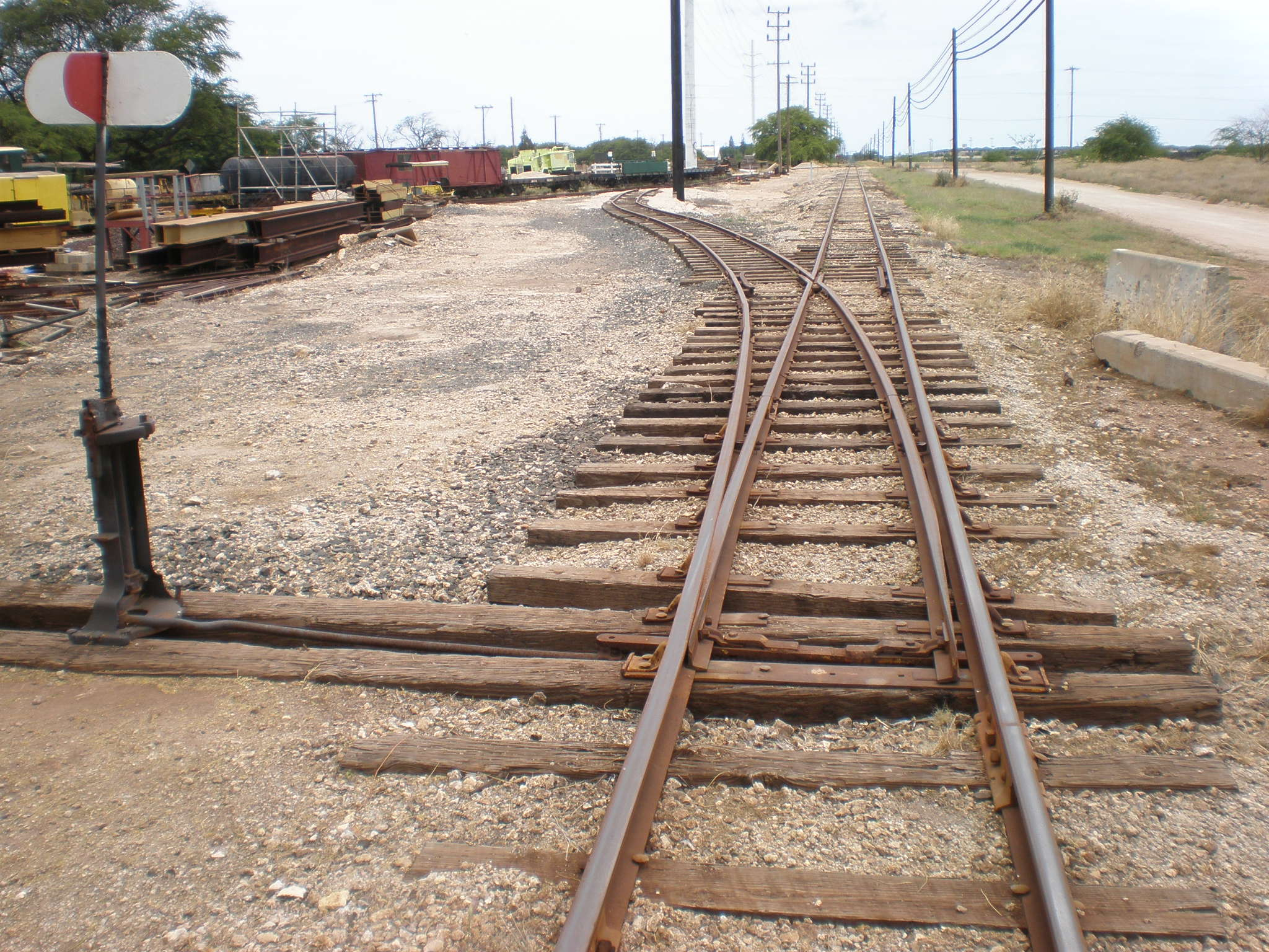 OahuRailway&LandCo-switchtrack-signal.JP