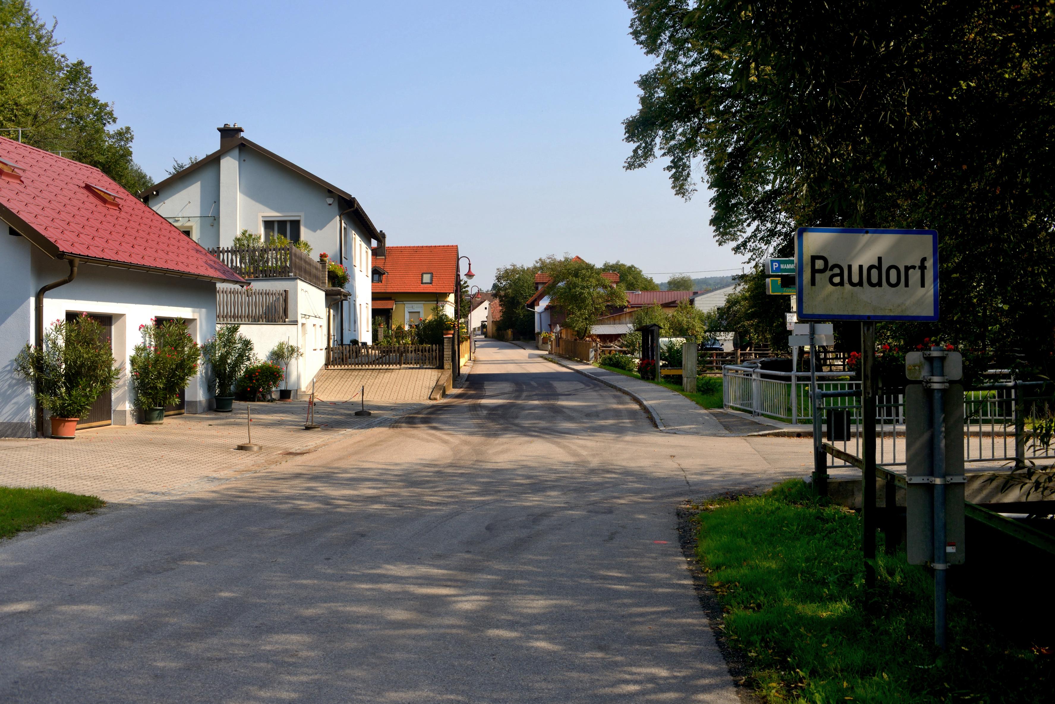 File Paudorf Ortstafel Jpg Wikimedia Commons