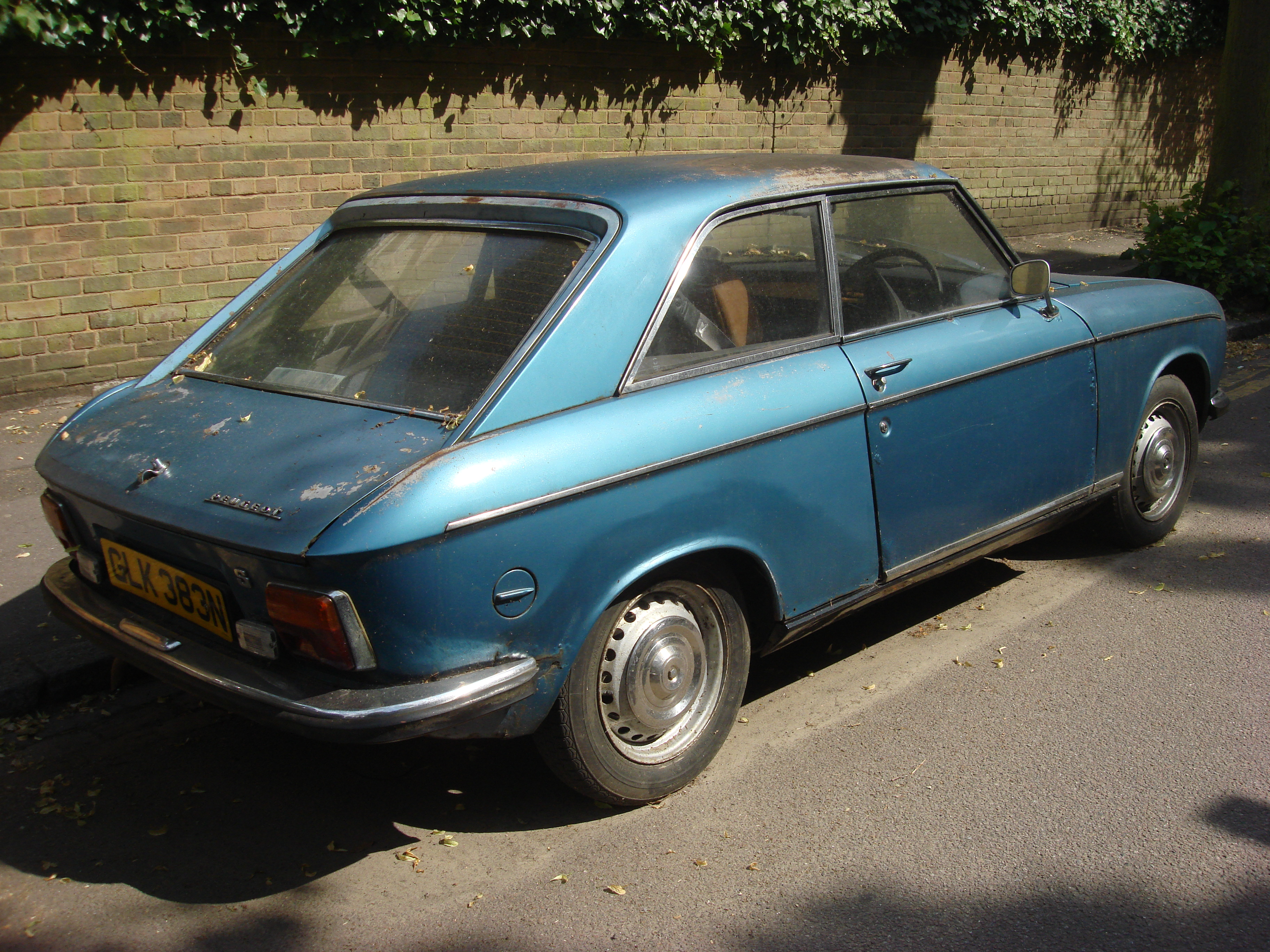 File:Peugeot 304 Coupe 2.jpg