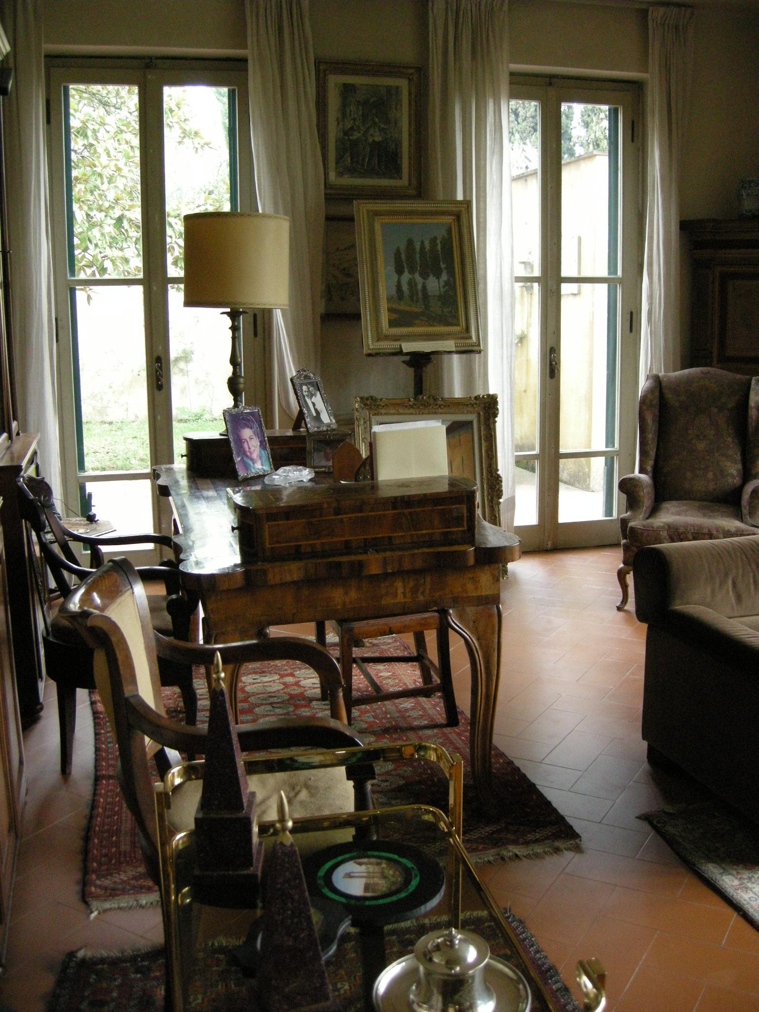 File piano terra salotto scrivania spadolini 01 jpg for Idee piano terra