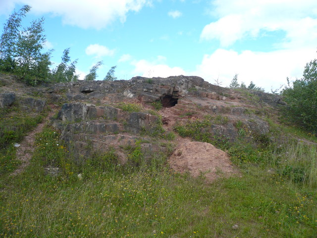 Poulter Country Park - Rock Formation in Car Park - geograph.org.uk - 490031