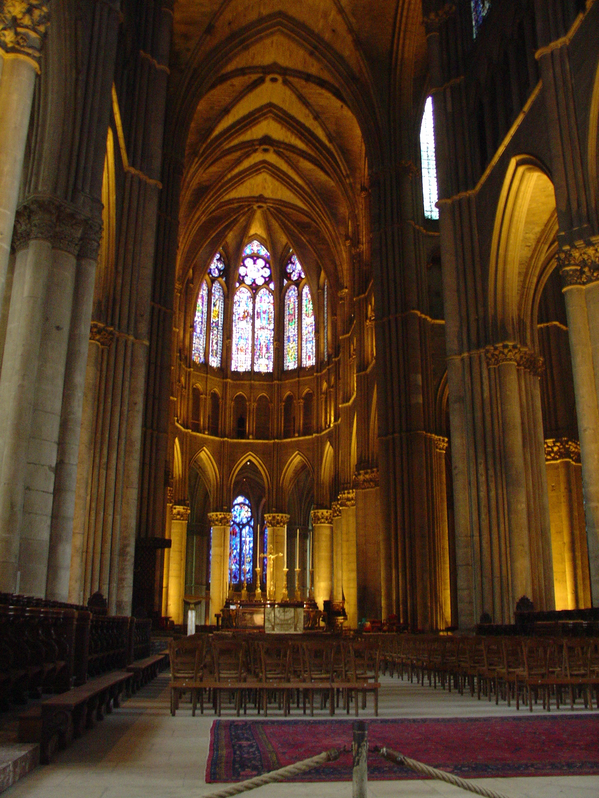 File reims kathedraal wikimedia commons for Interieur french