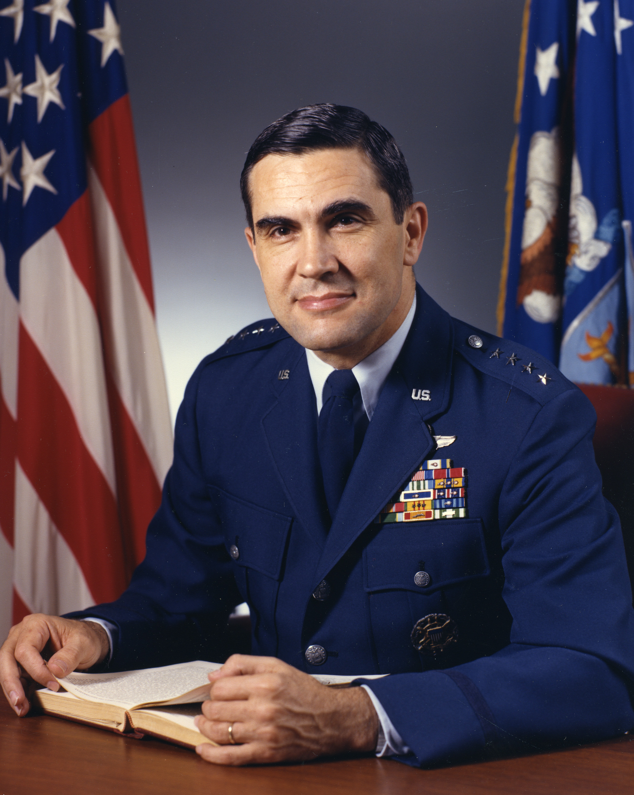 Richard L . Lawson