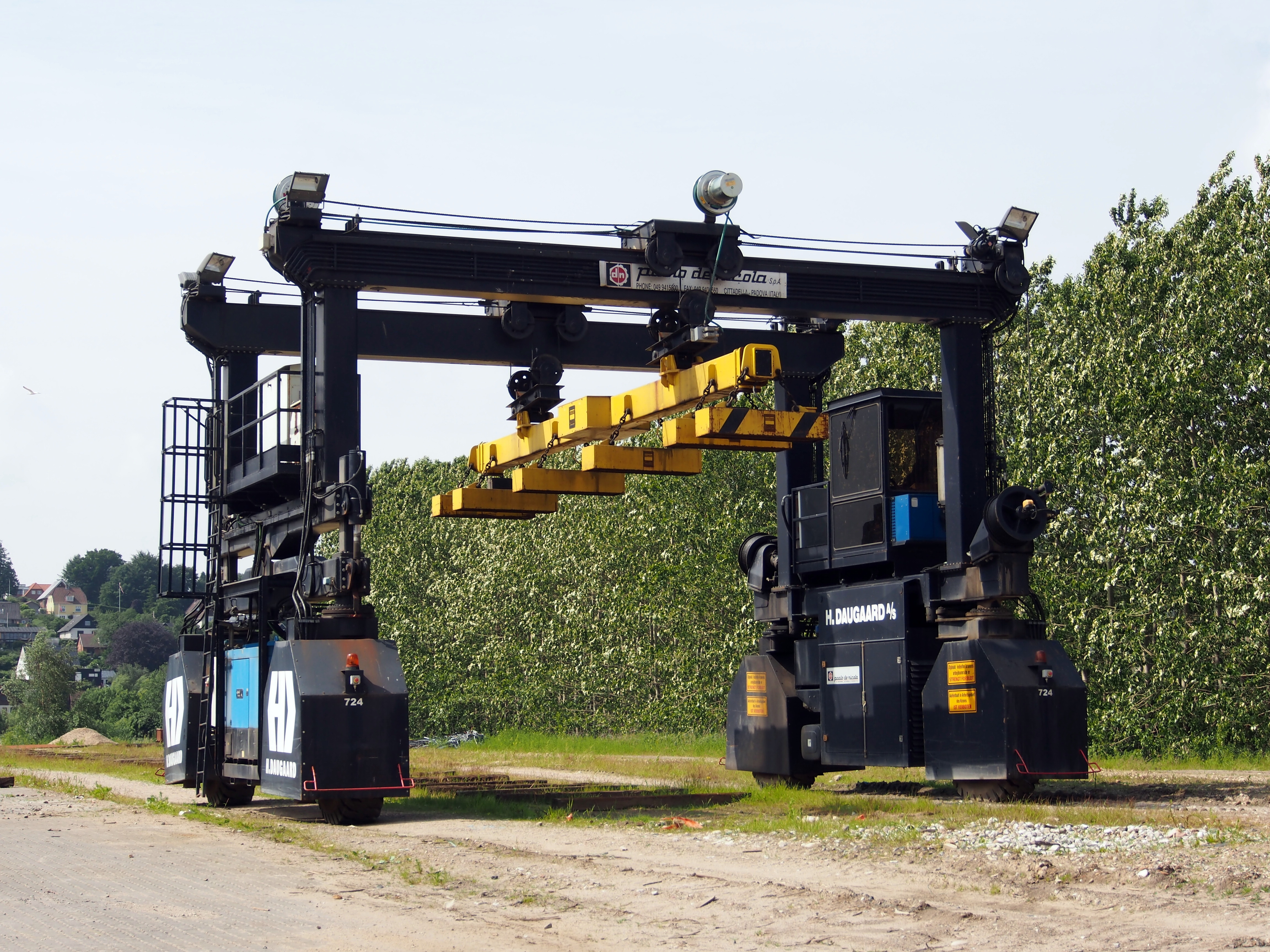 Rubber Tyred Gantry Cranes Translate : A frame hoist dimensions crafts