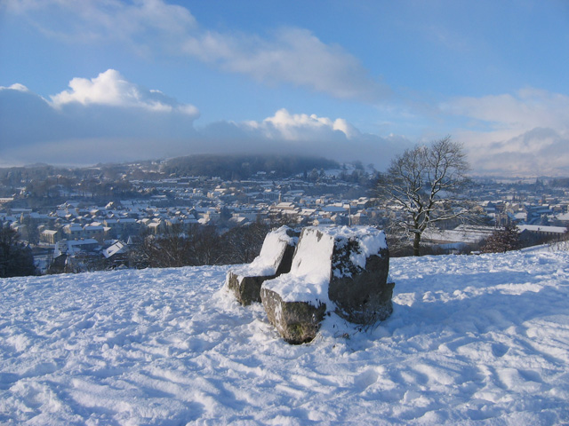 File:Seats on Castle Hill - geograph.org.uk - 1630167.jpg