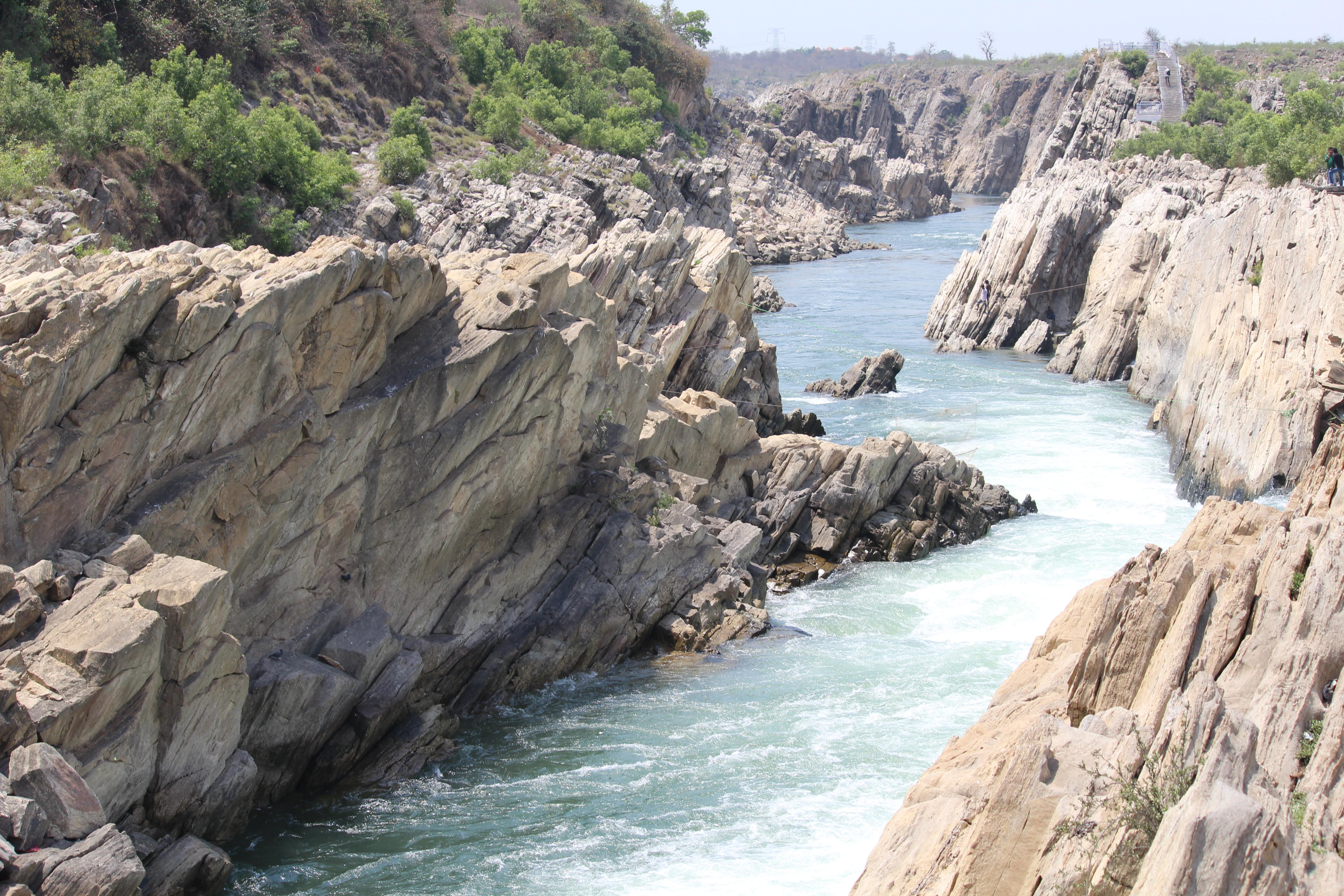 File:Section of Narmada River near Bhedaghat, Jabalpur.jpg ...