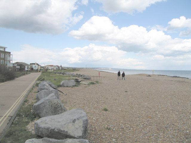 Shoreham Beach - geograph.org.uk - 574135