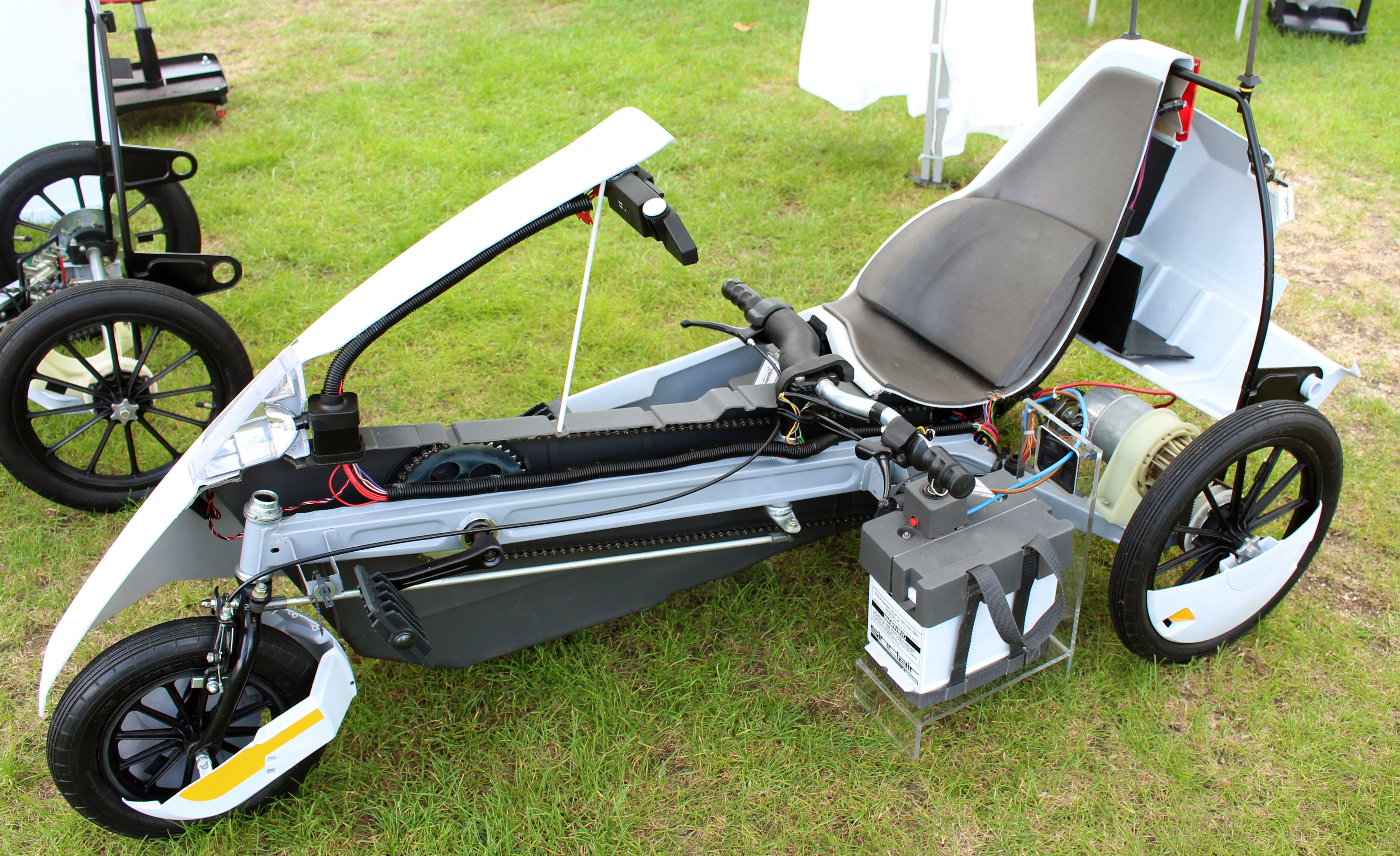 Sinclair_C5_sectioned.jpg