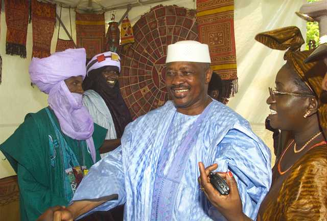 http://upload.wikimedia.org/wikipedia/commons/0/06/Toure-folklife2.jpg
