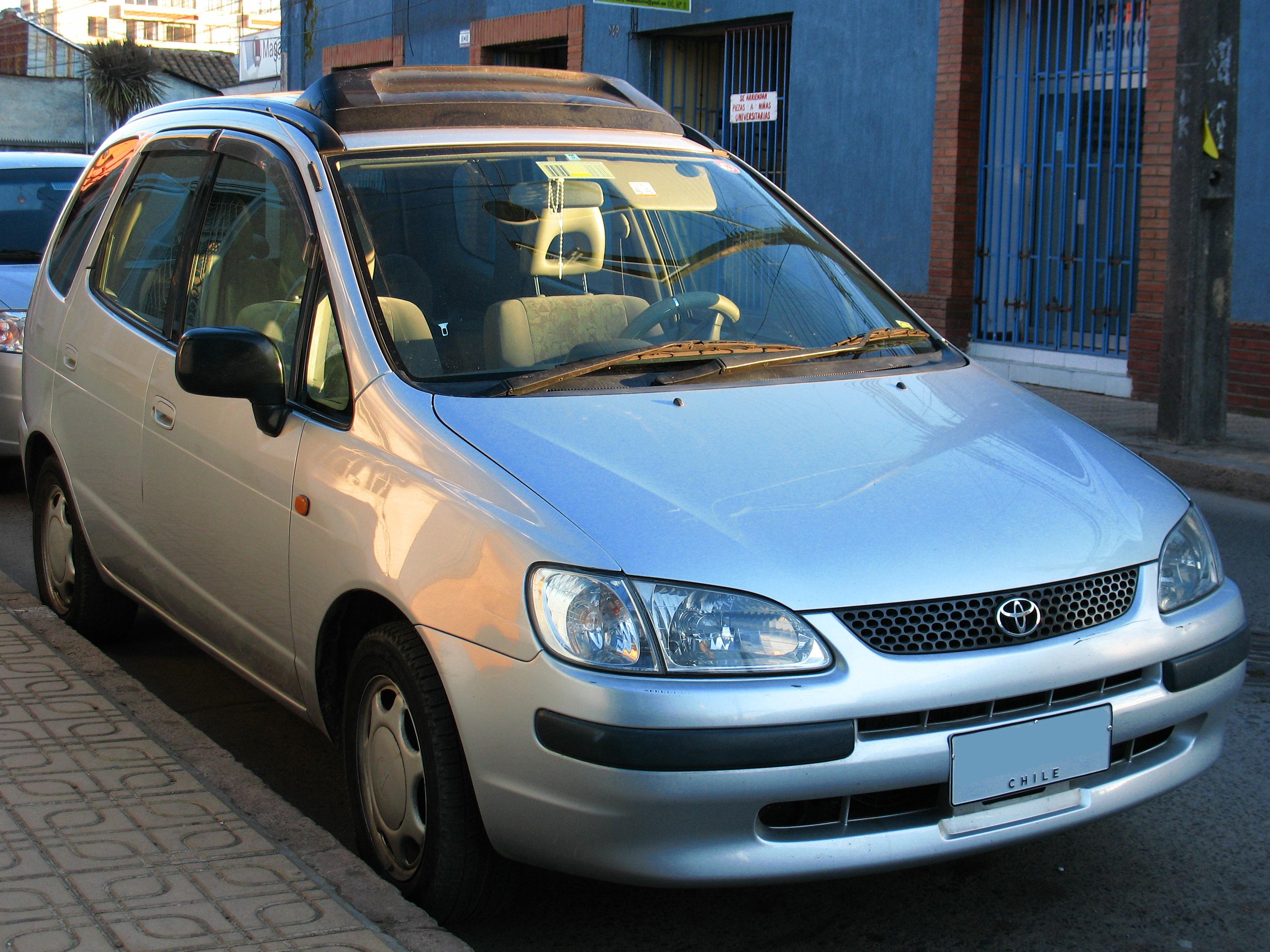 File:Toyota Corolla Spacio 1997 (21945814796).jpg