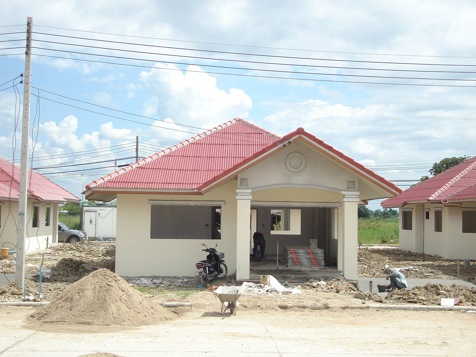 File under construction thai modern wikimedia for Small house design thailand