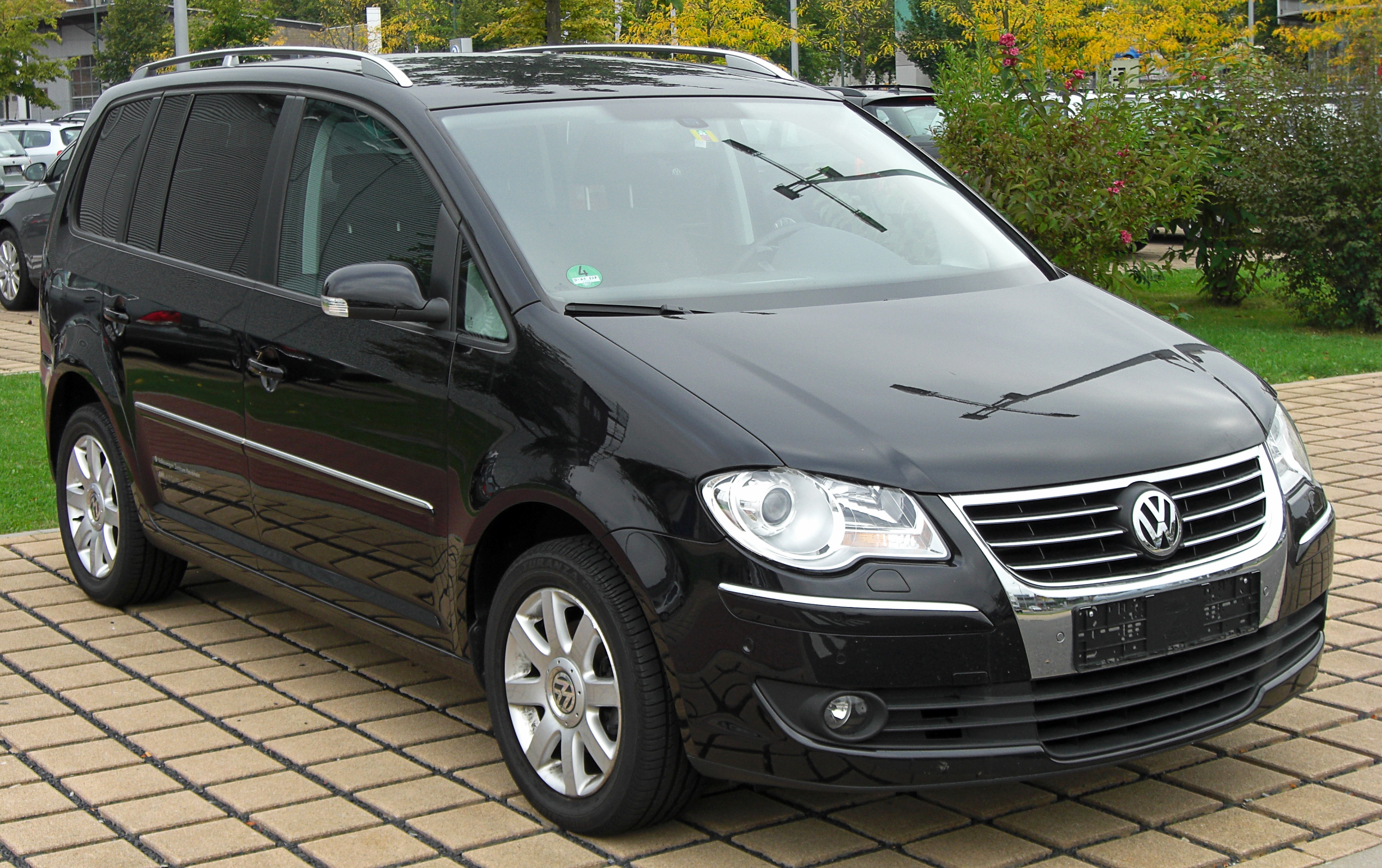 vw touran 20 tdi facelift front 1jpg pictures. Black Bedroom Furniture Sets. Home Design Ideas