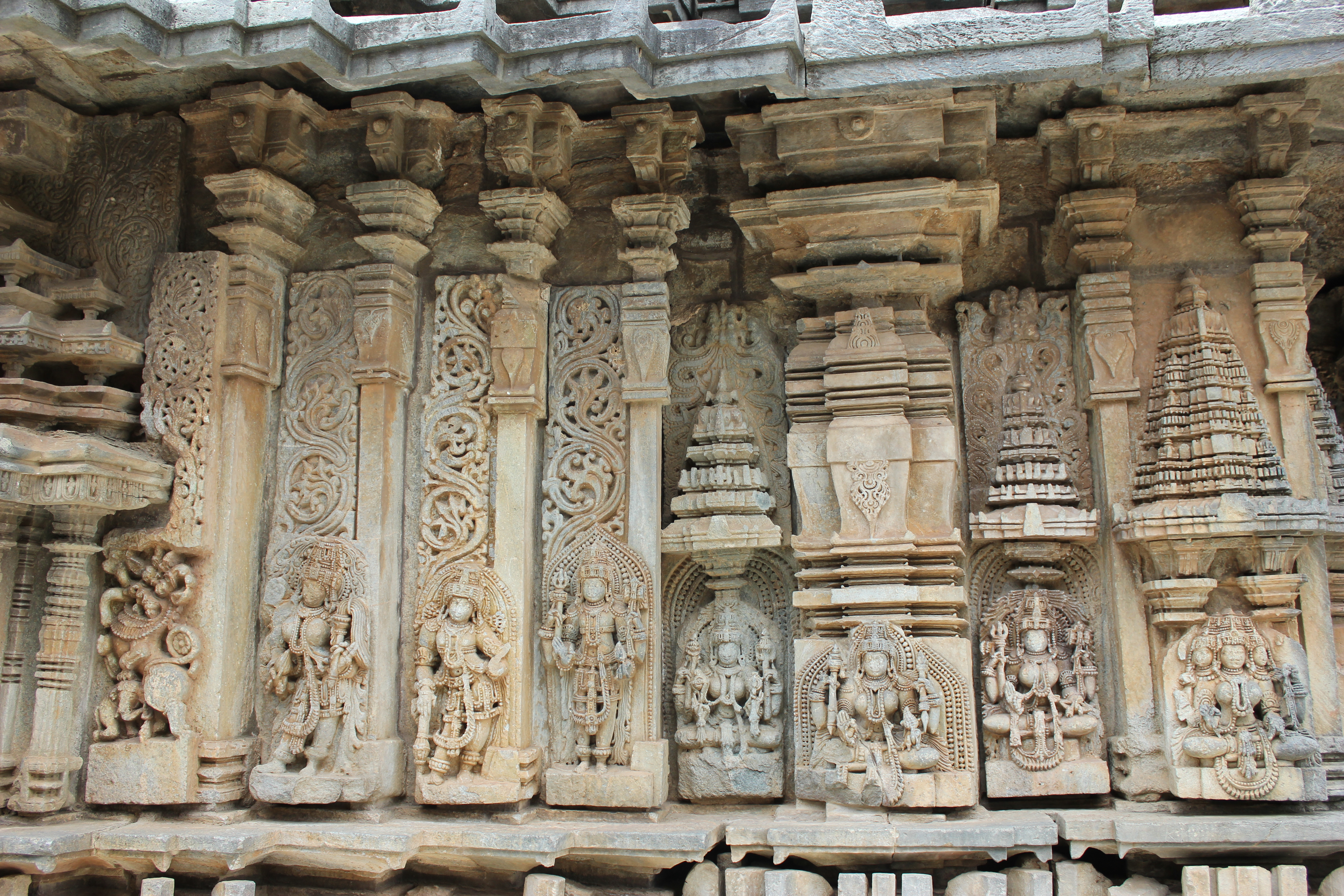 Temple Wall Panels : File wall panel relief and sculpture in chennakeshava