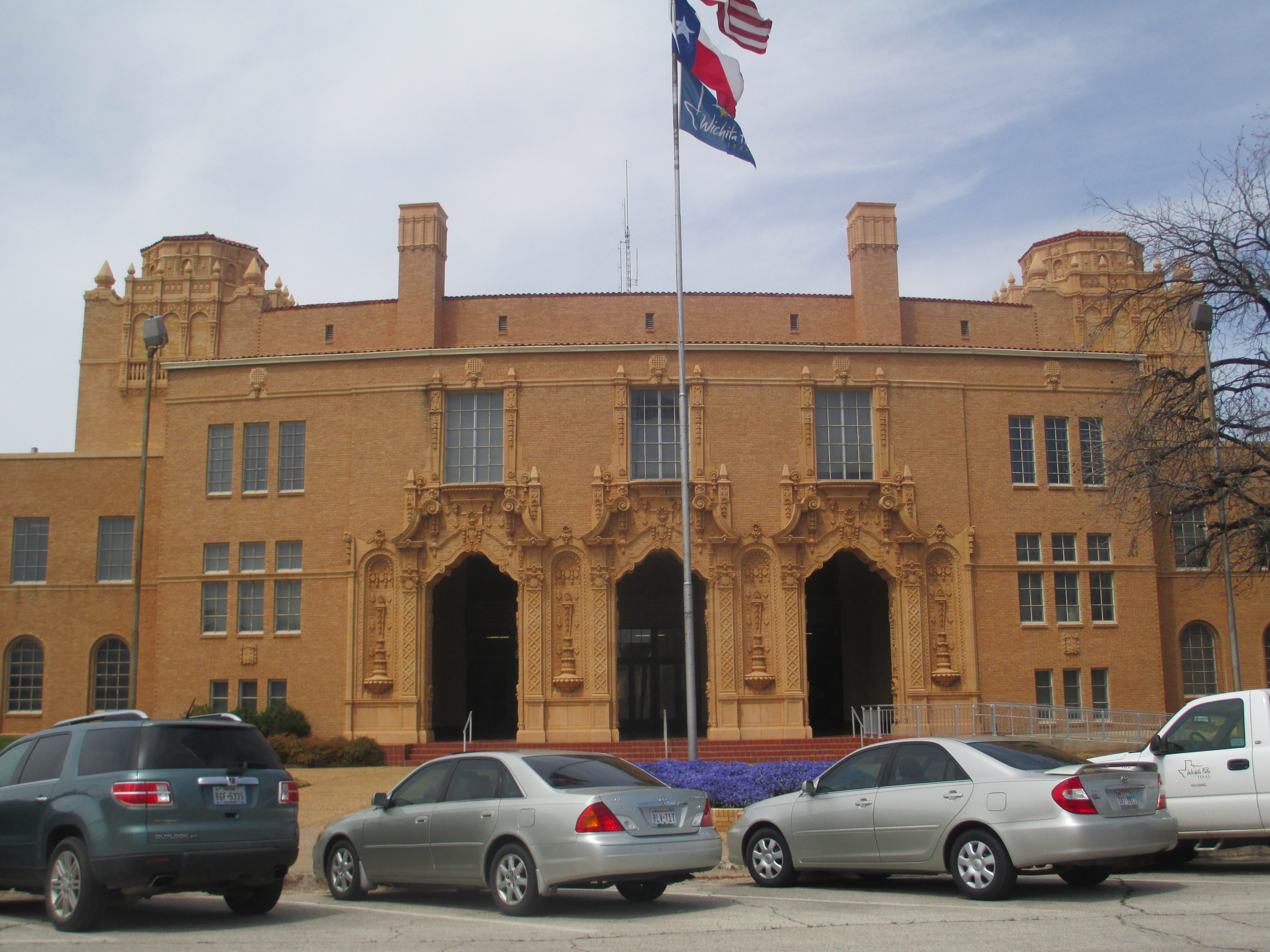 Wichita falls texas familypedia fandom powered by wikia the wichita falls city hall occupies the bottom floor of the municipal auditorium a municipal annex building is located to the right of the auditorium aiddatafo Image collections
