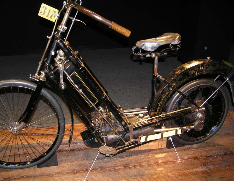 File:1894 Hildebrand and Wolfmüller (1) - The Art of the Motorcycle - Memphis.jpg