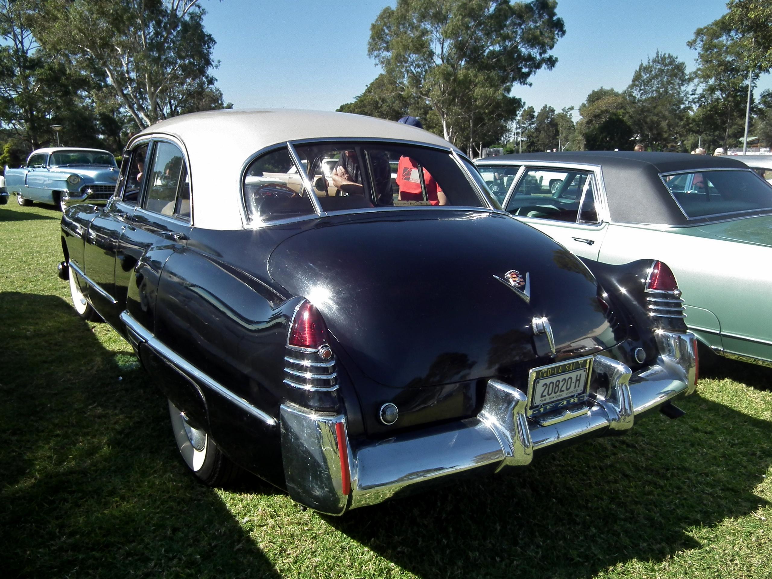 1948_Cadillac_Series_62_sedan_(870265199