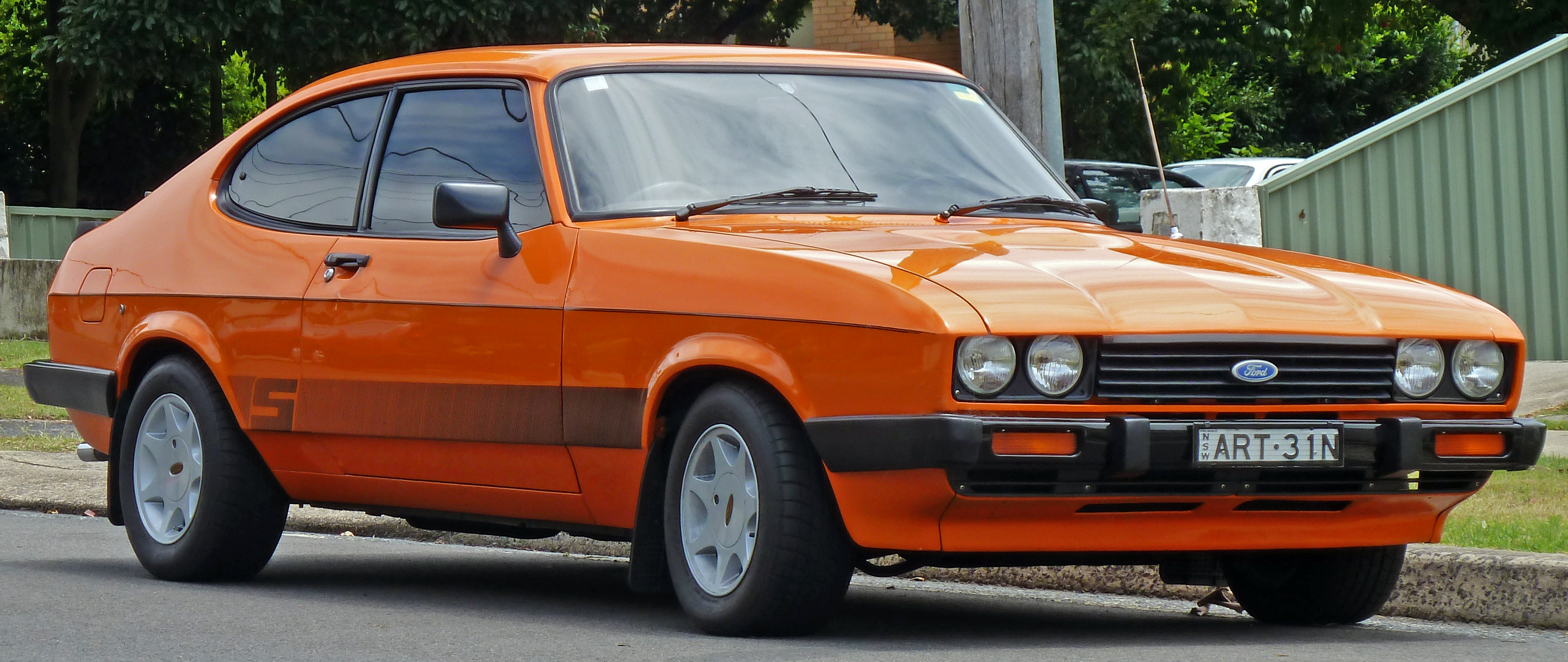 1977-1986_​Ford_Capri​_S_coupe_(​2010-12-28​)