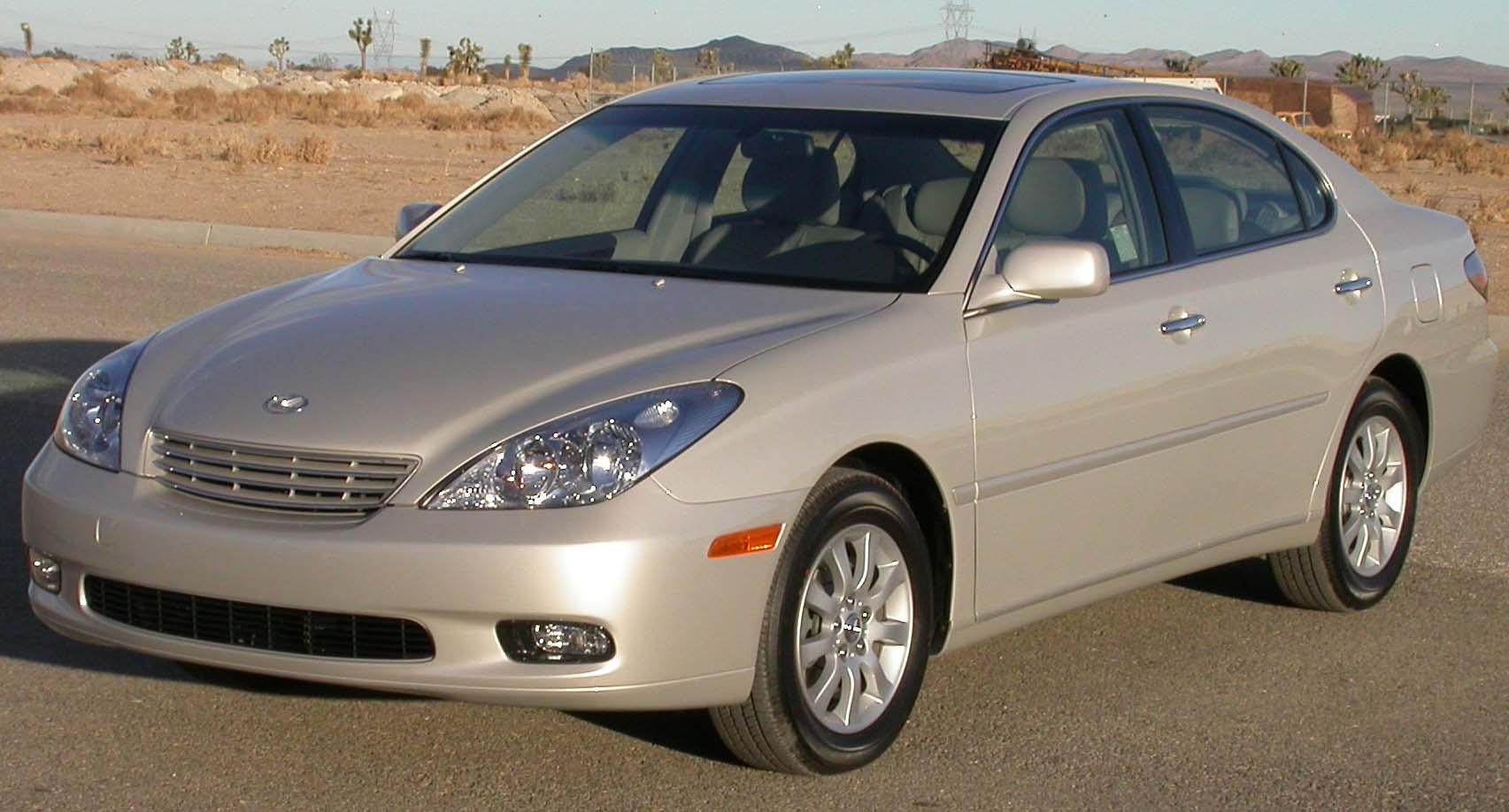 File:2004 Lexus ES330 -- NHTSA.jpg - Wikimedia Commons