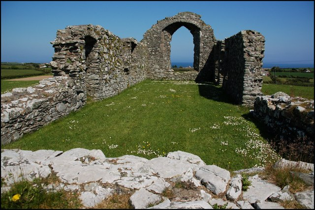 File:Ardtole church (ruin) near Ardglass (2) - geograph.org.uk - 458866.jpg