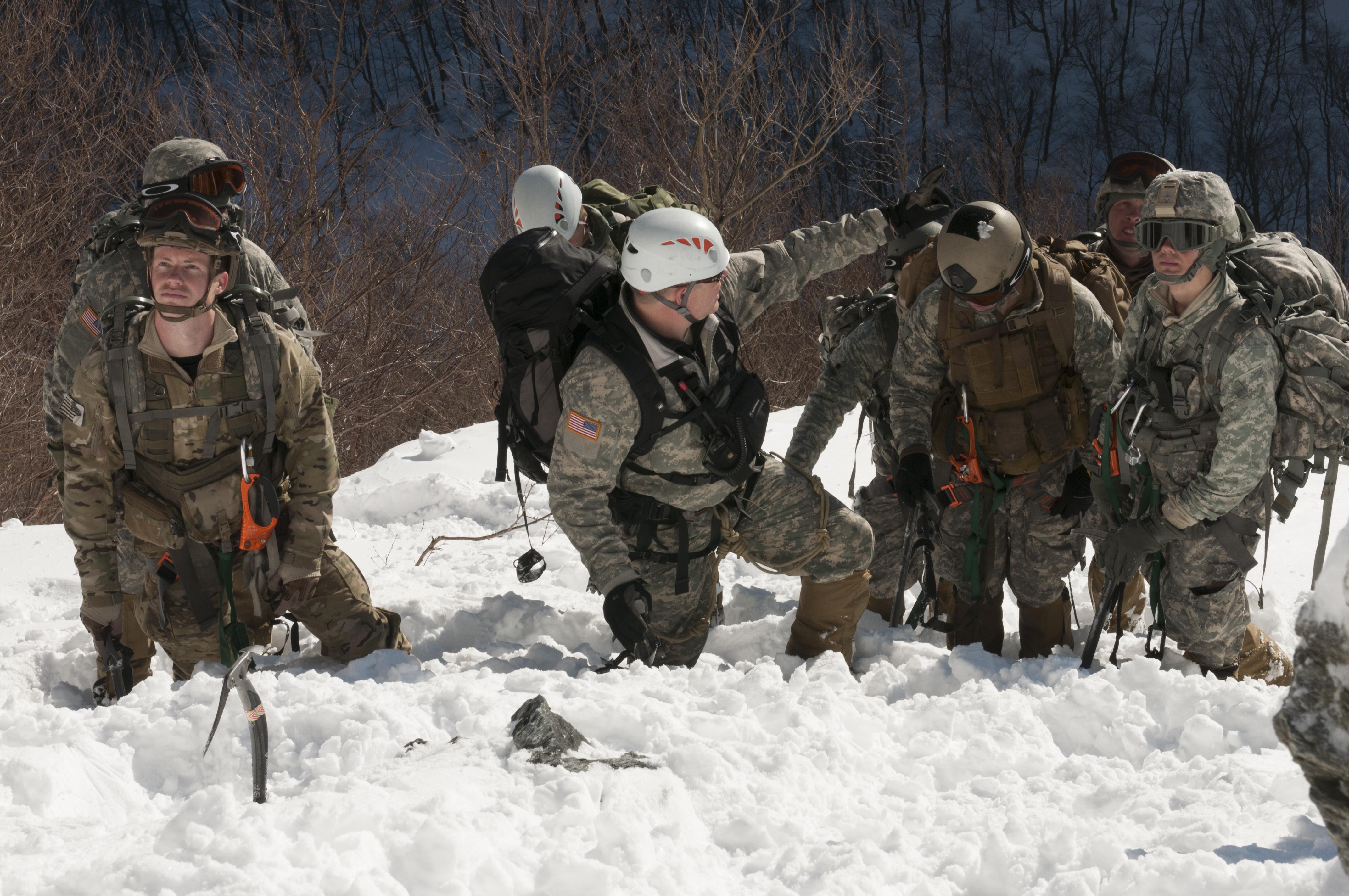 File:Army Mountain Warfare School 140220-Z-KE462-019.jpg