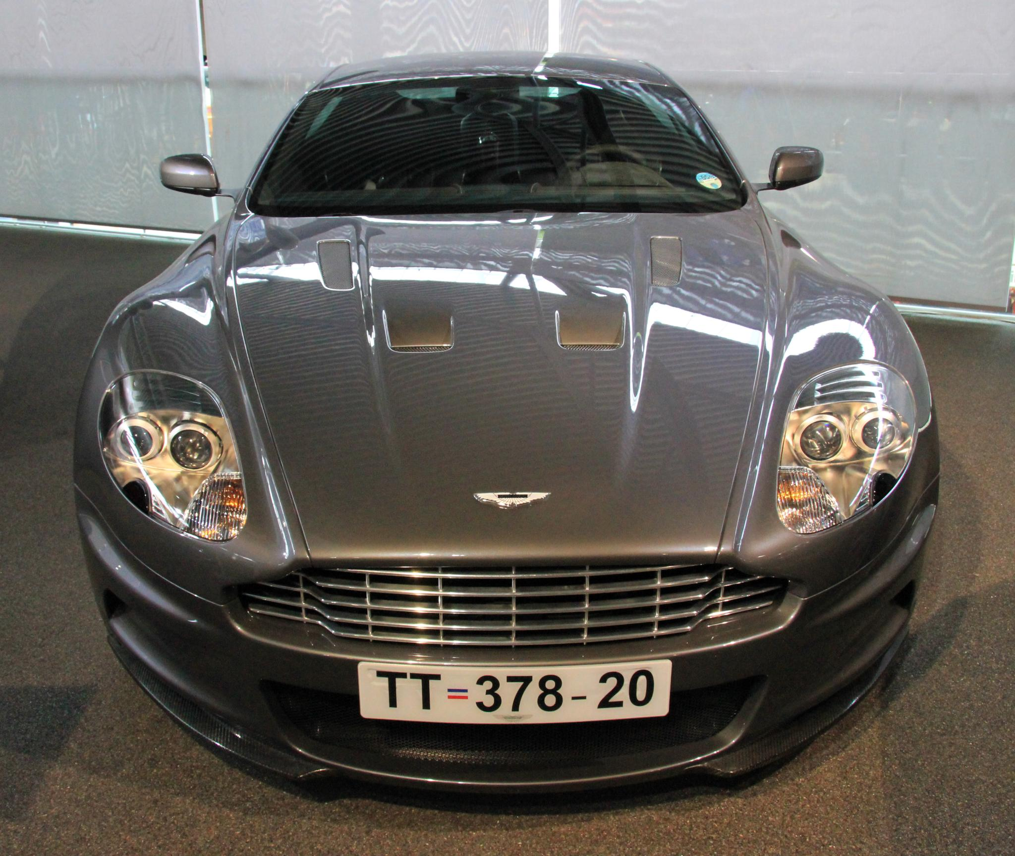 File aston martin dbs casino royale front national motor for What is a motor vehicle bond